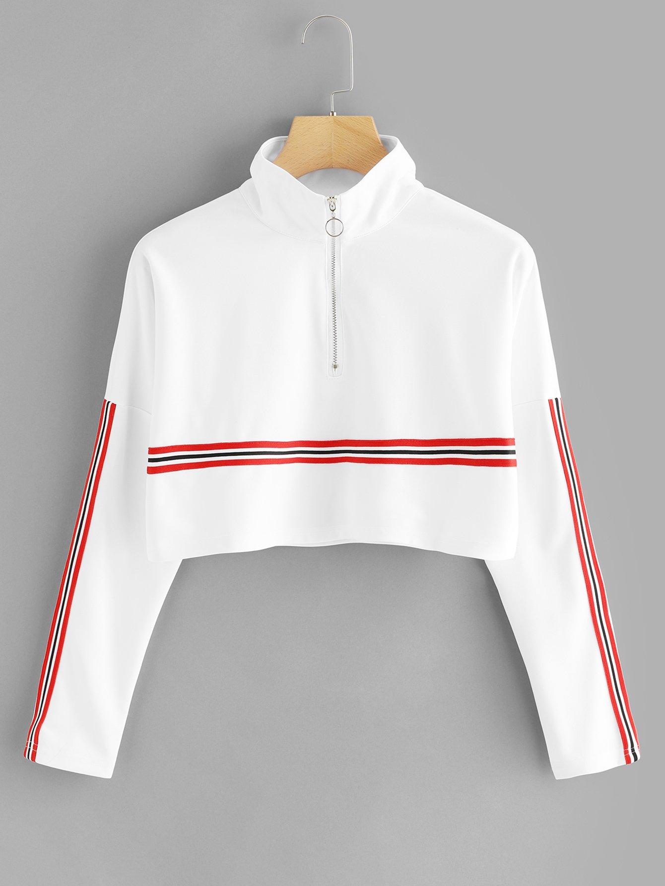 T-Shirt mit sehr tief angesetzter Schulterpartie, Streifen und Reißverschluss