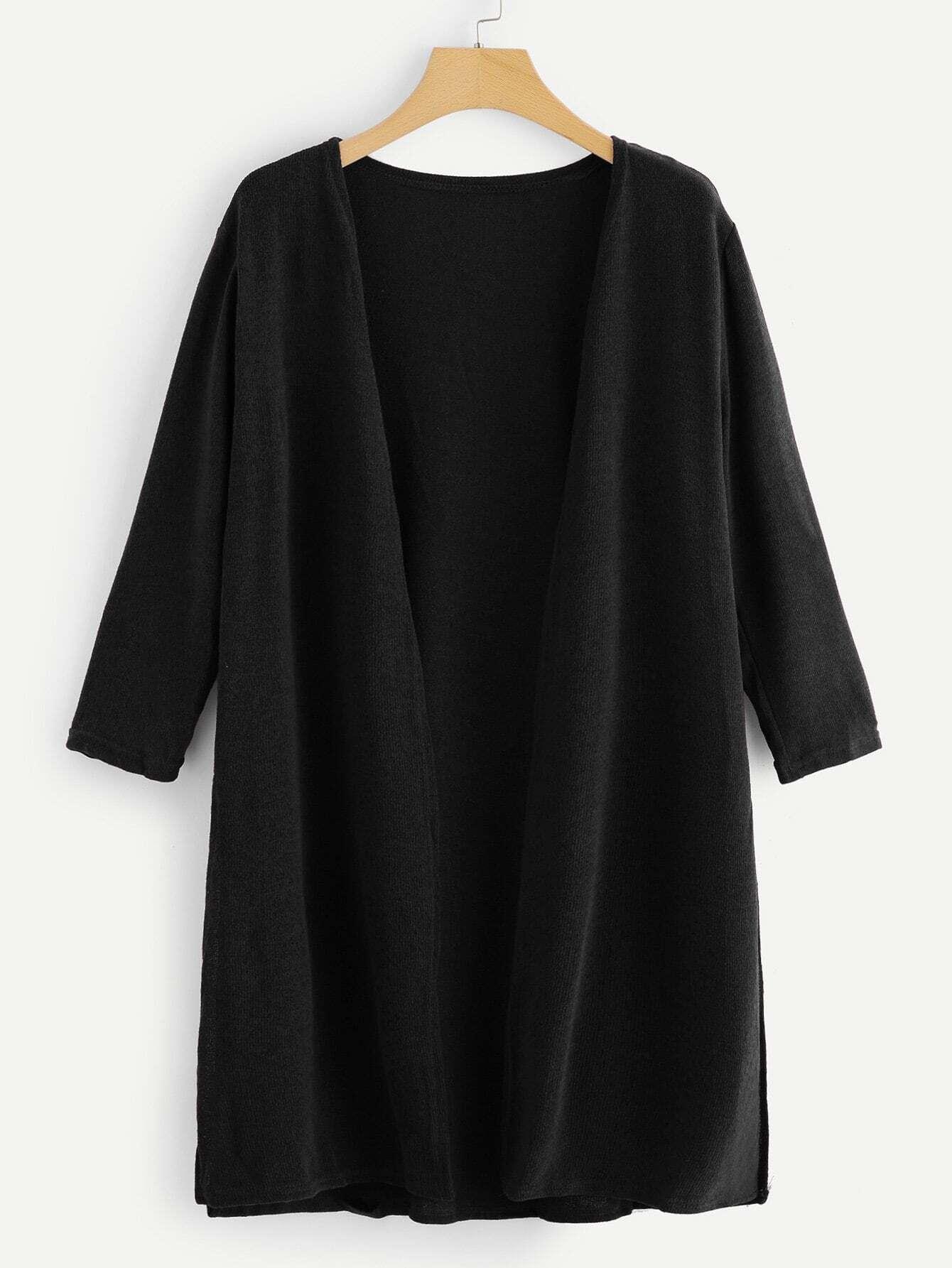 Mantel mit sehr tief angesetzter Schulterpartie und Seitenschlitz
