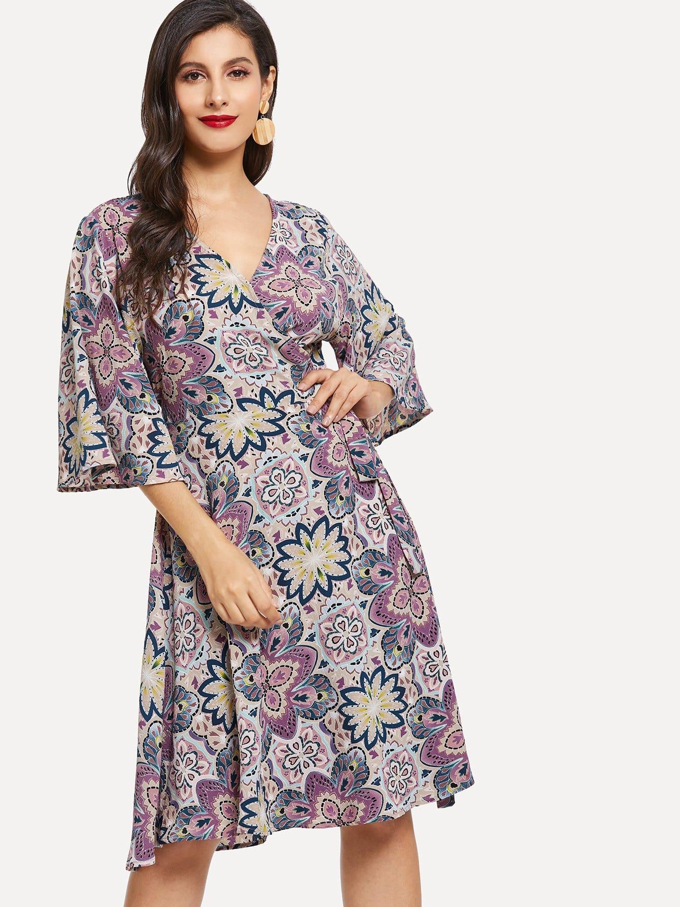 Цветочная печать Белл-рукав Surplice Neck Dress