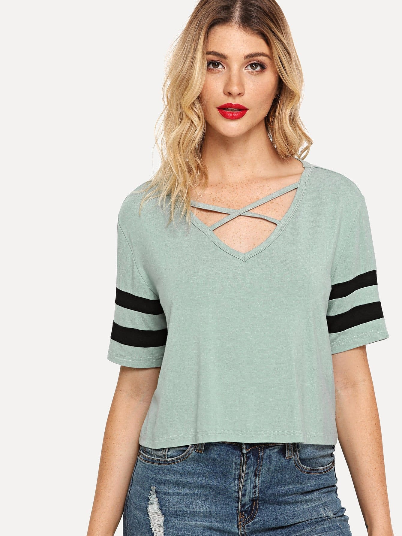 цена на Crisscross Neck Striped Sleeve Tee
