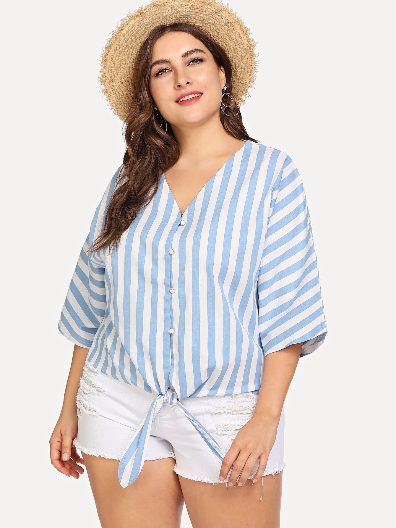 Большая полосатая джинсовая рубашка с V воротником