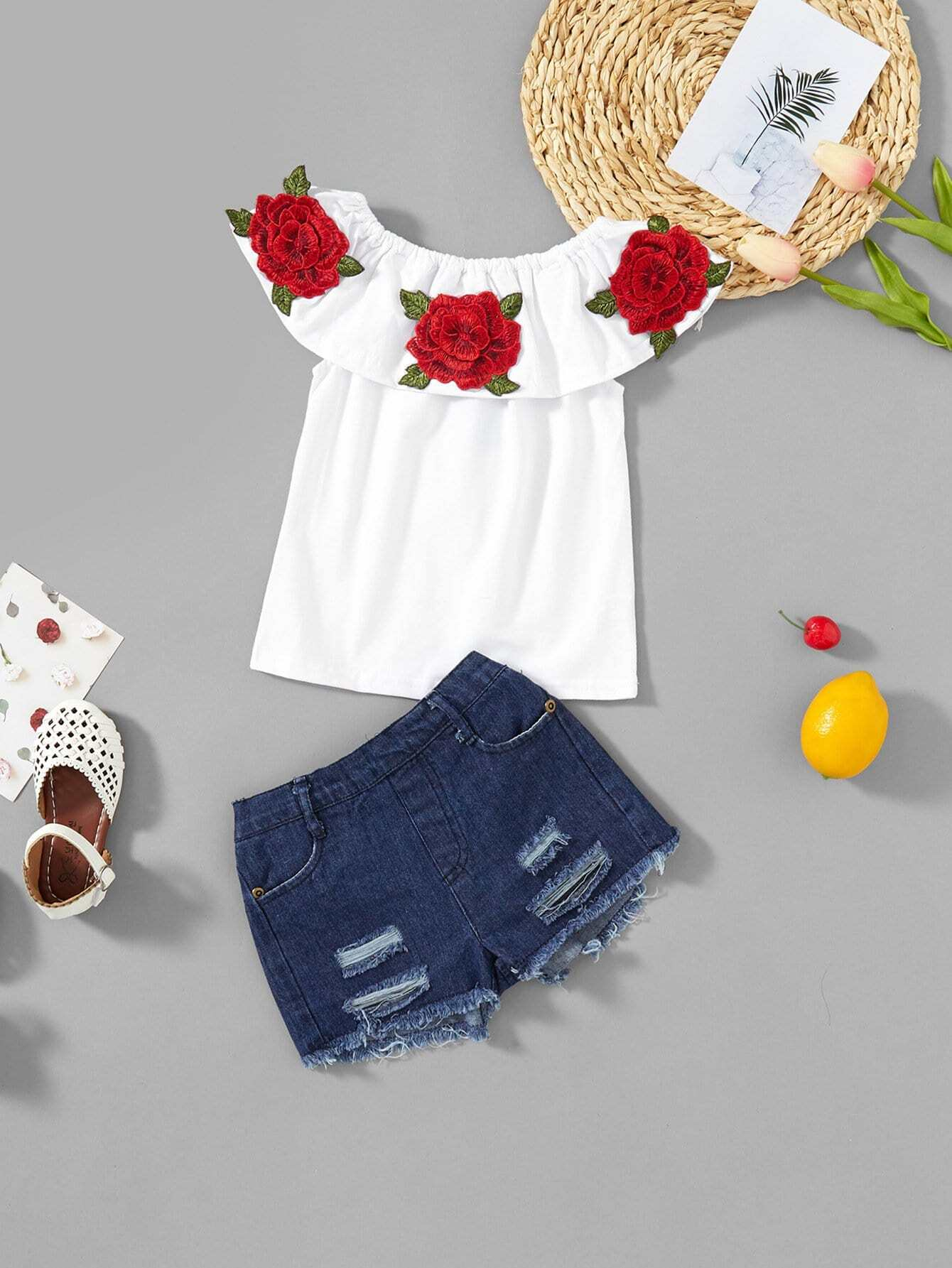 Girls Appliques Top With Ripped Shorts