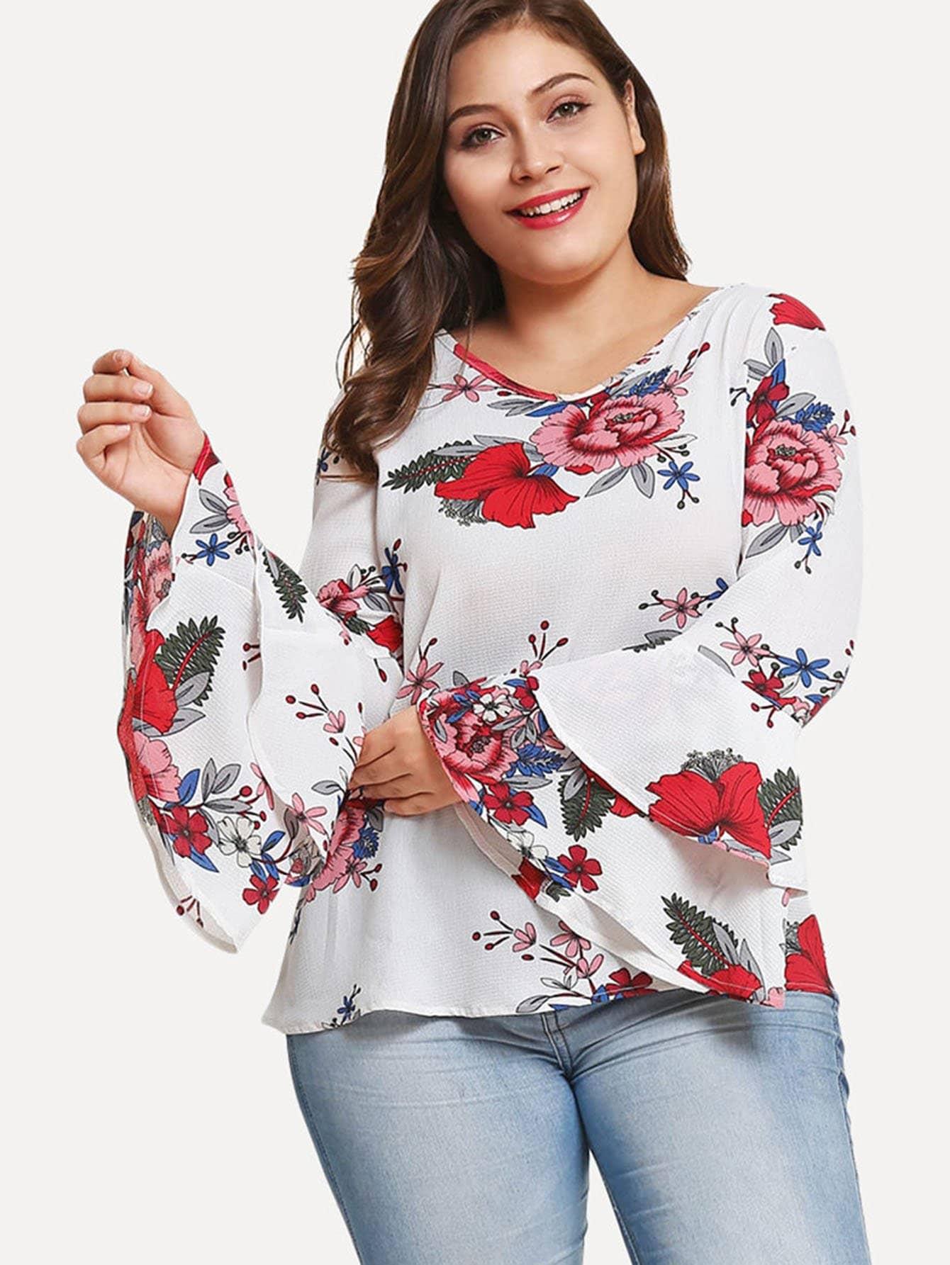 Übergroße Bluse mit Schößchensaum auf den Ärmeln und Blumenmuster
