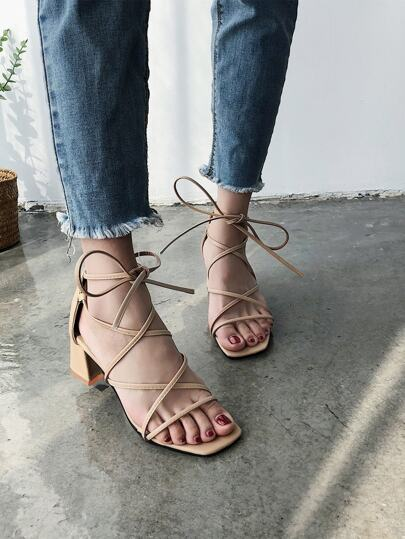 Romwe / Open Toe Cross Strap Blocked Heeled Sandals