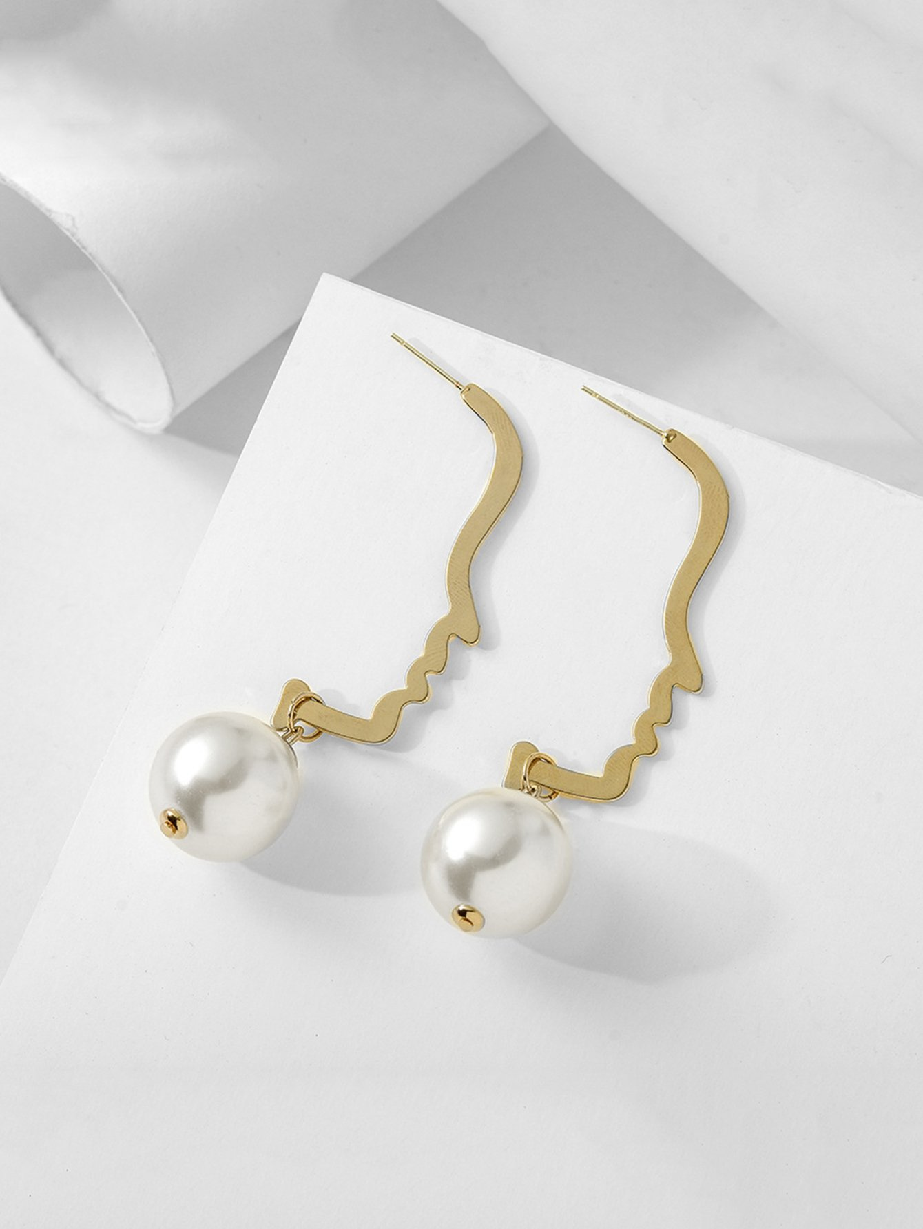Faux Pearl Face Design Drop Earrings