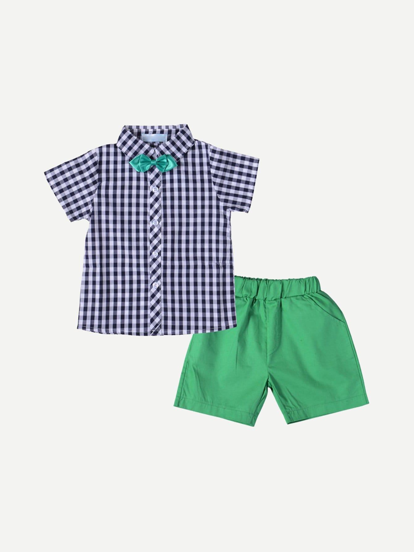 Мальчики Бантиком, Клетчатой Рубашке С Шортами