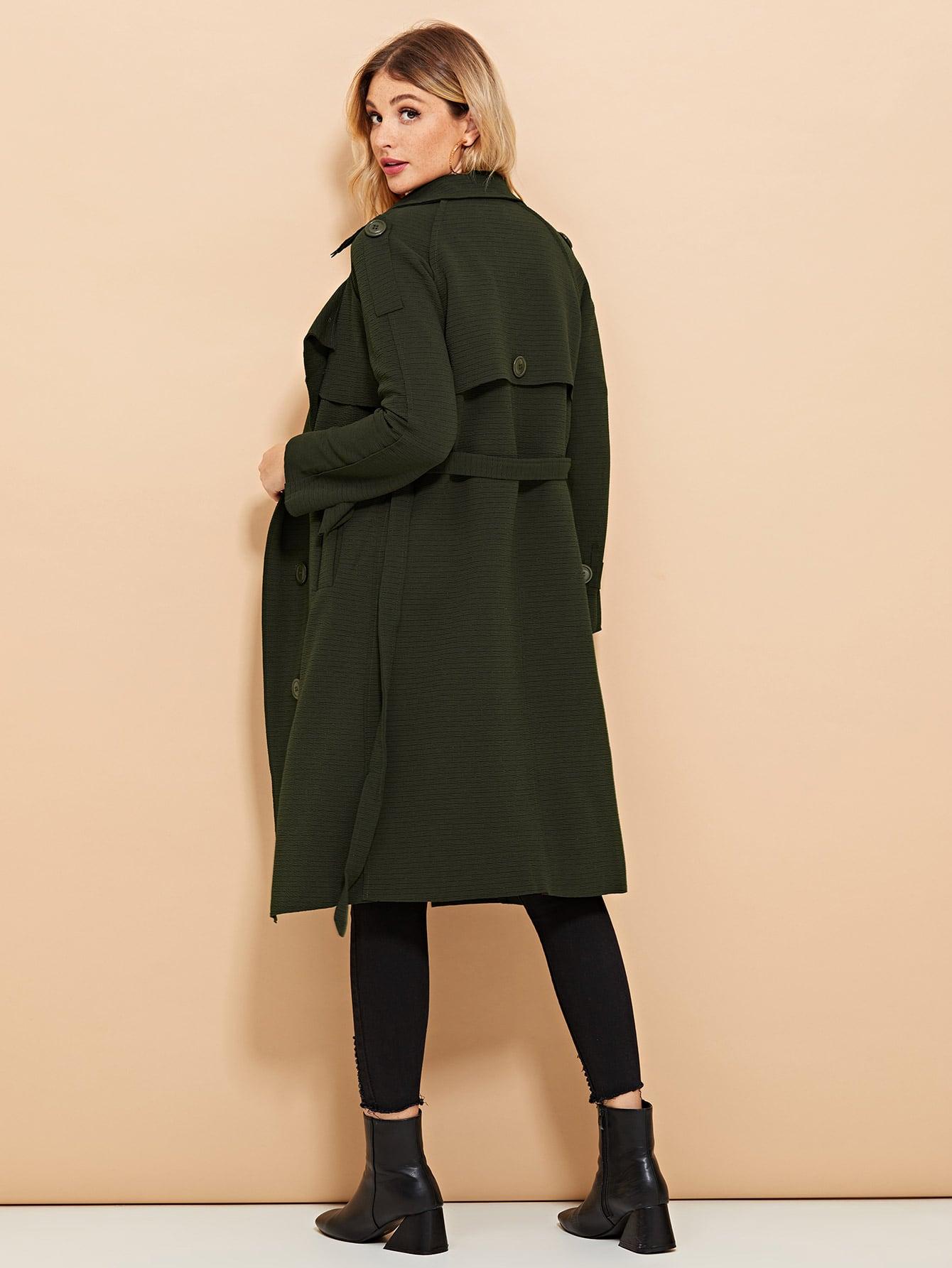 Reiner Mantel mit Knöpfen