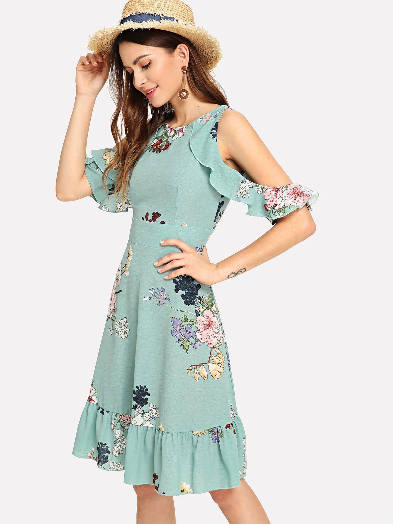 Ситцевое платье на бретелях и подол с розеткой, Jana, SheIn  - купить со скидкой