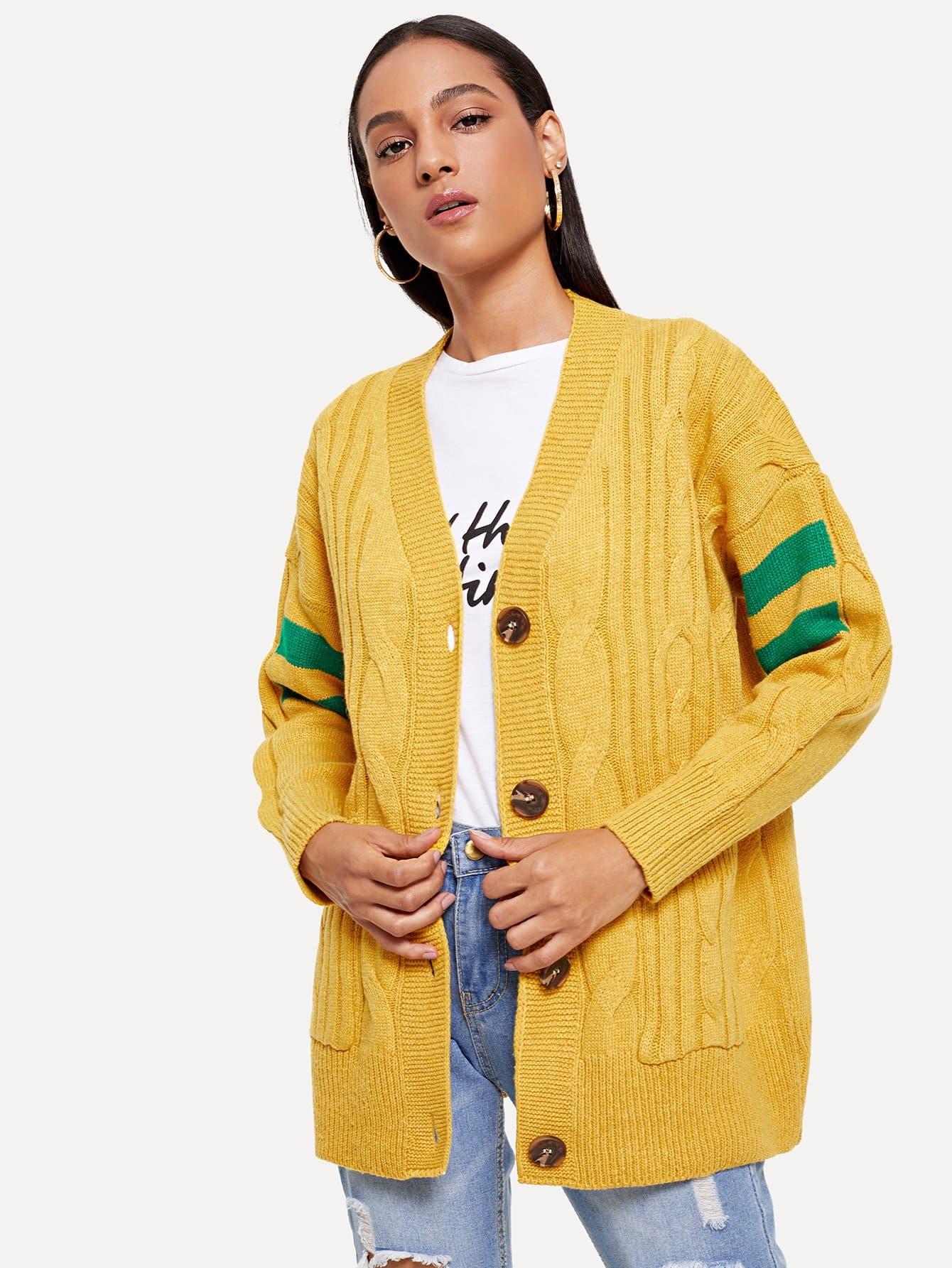Strick Mantel mit Streifen und Knöpfen Dekor
