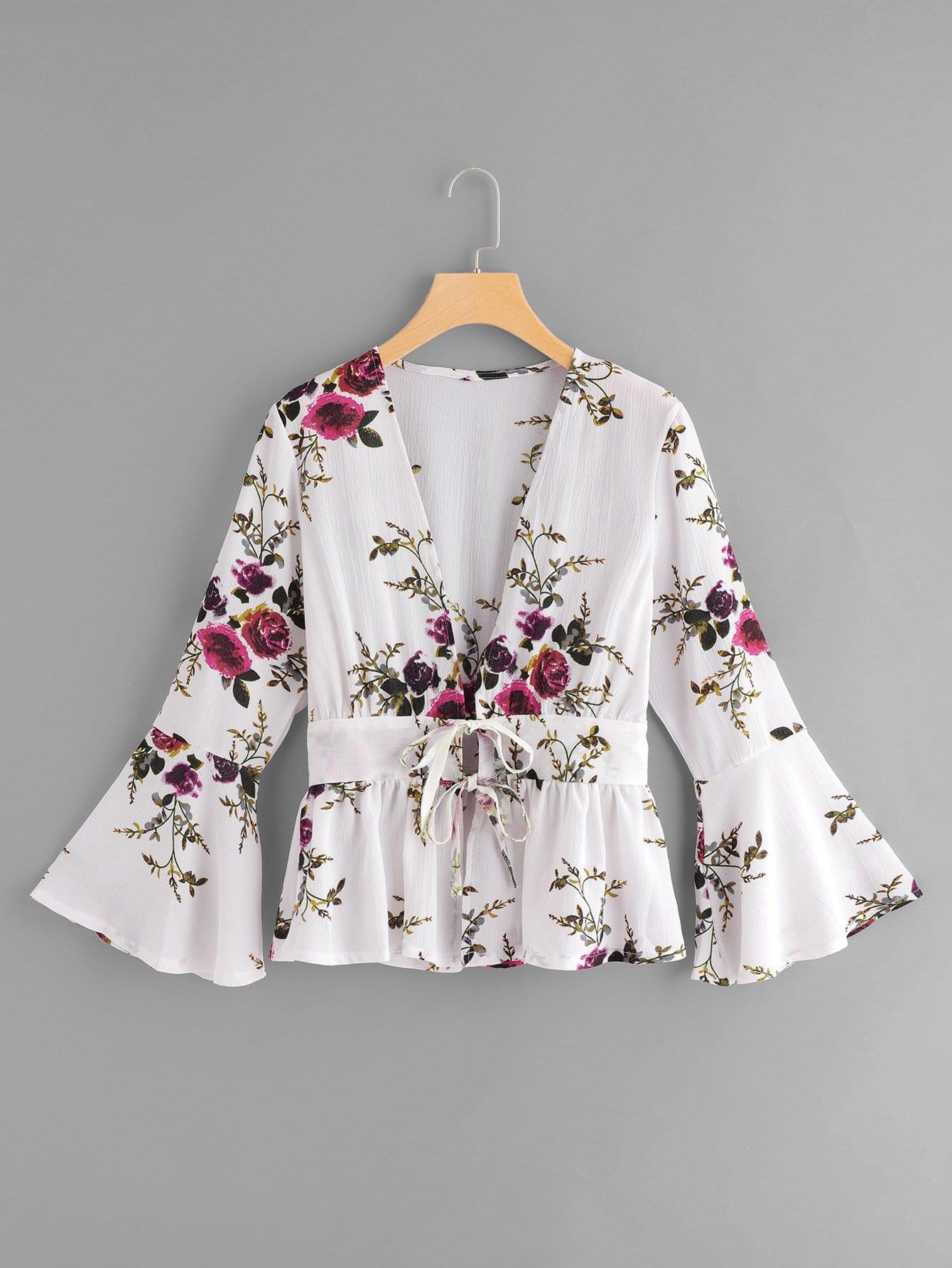 Bluse mit Blumenmuster, Schößchensaum auf den Ärmeln und Knoten
