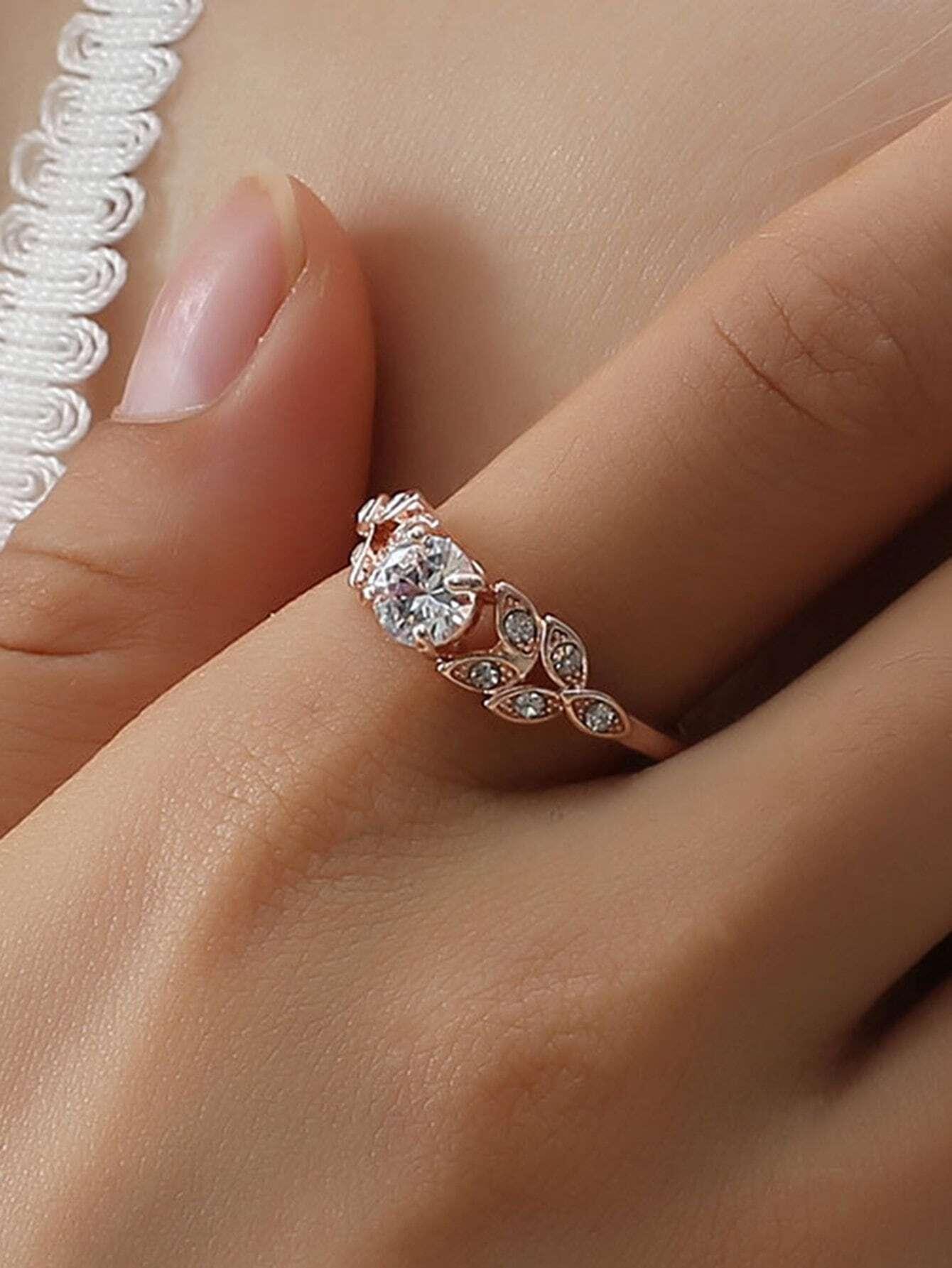 Leaf Decorated Rhinestone Ring
