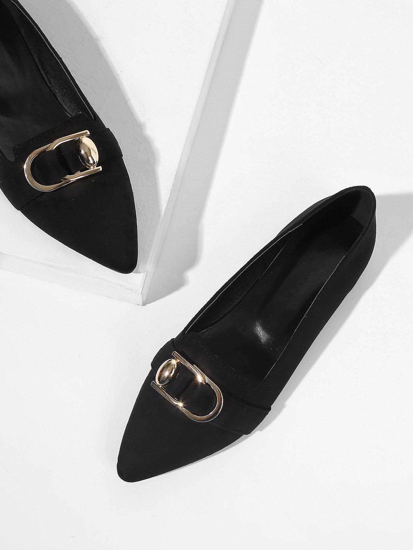 Купить Остроконечные туфли на плоской подошве с украшением металла, null, SheIn
