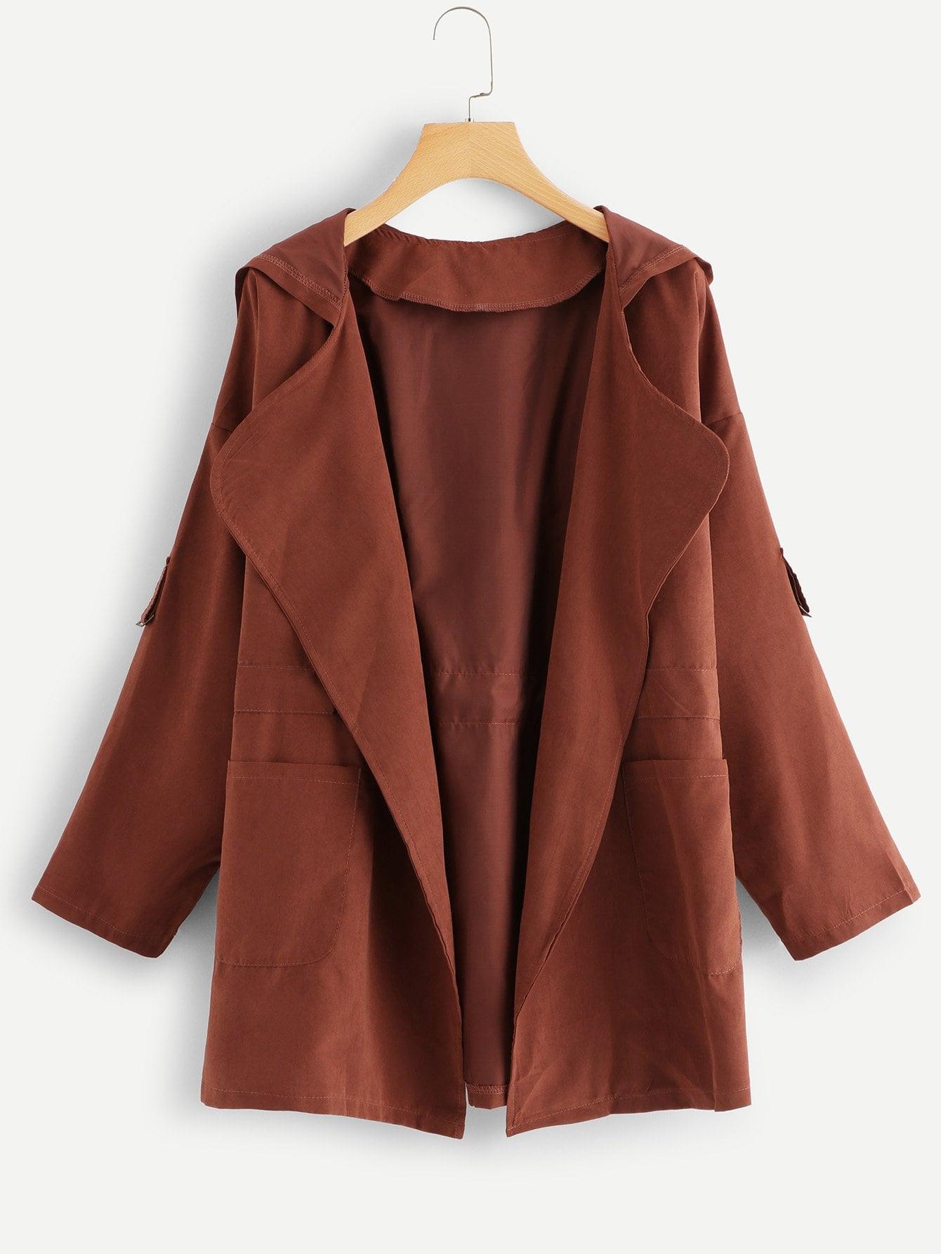 Пальто с капюшоном и с басоном эластичным и с двумя кармана SheIn