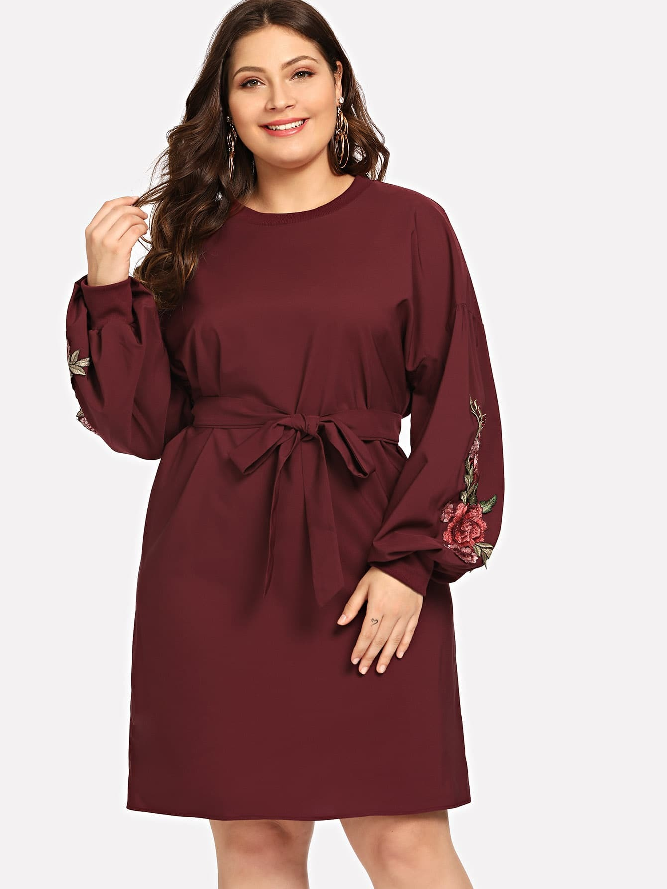 Купить Большое ситцевое платье с поясом и с заниженной линией плеч, Carol, SheIn