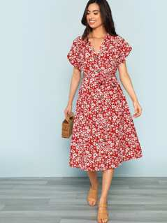 Plunging Neck Pleated Floral Dress