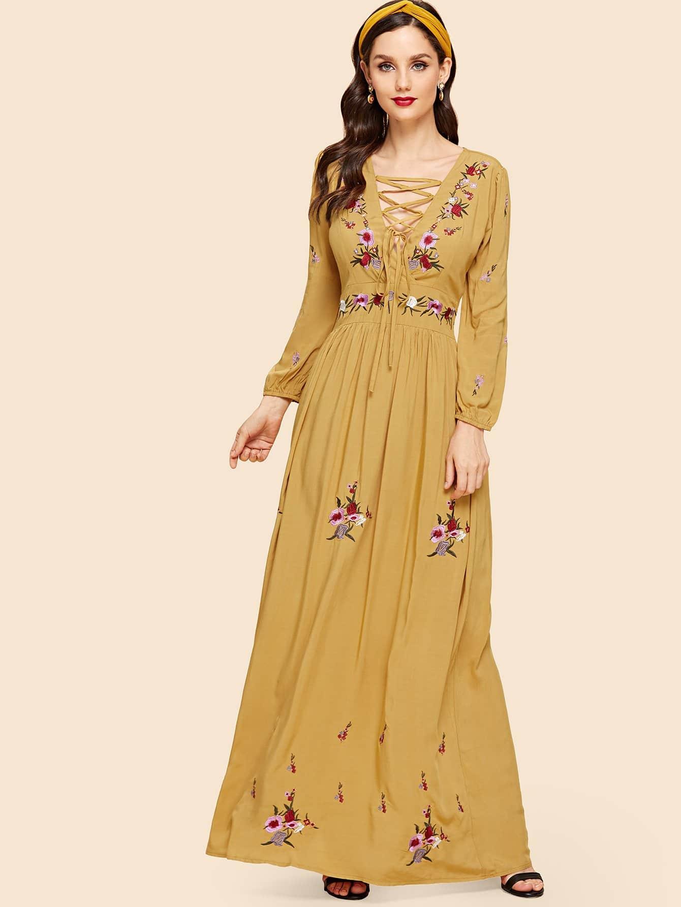 Плюс Lace Up Фронт цветок вышитые Maxi платье