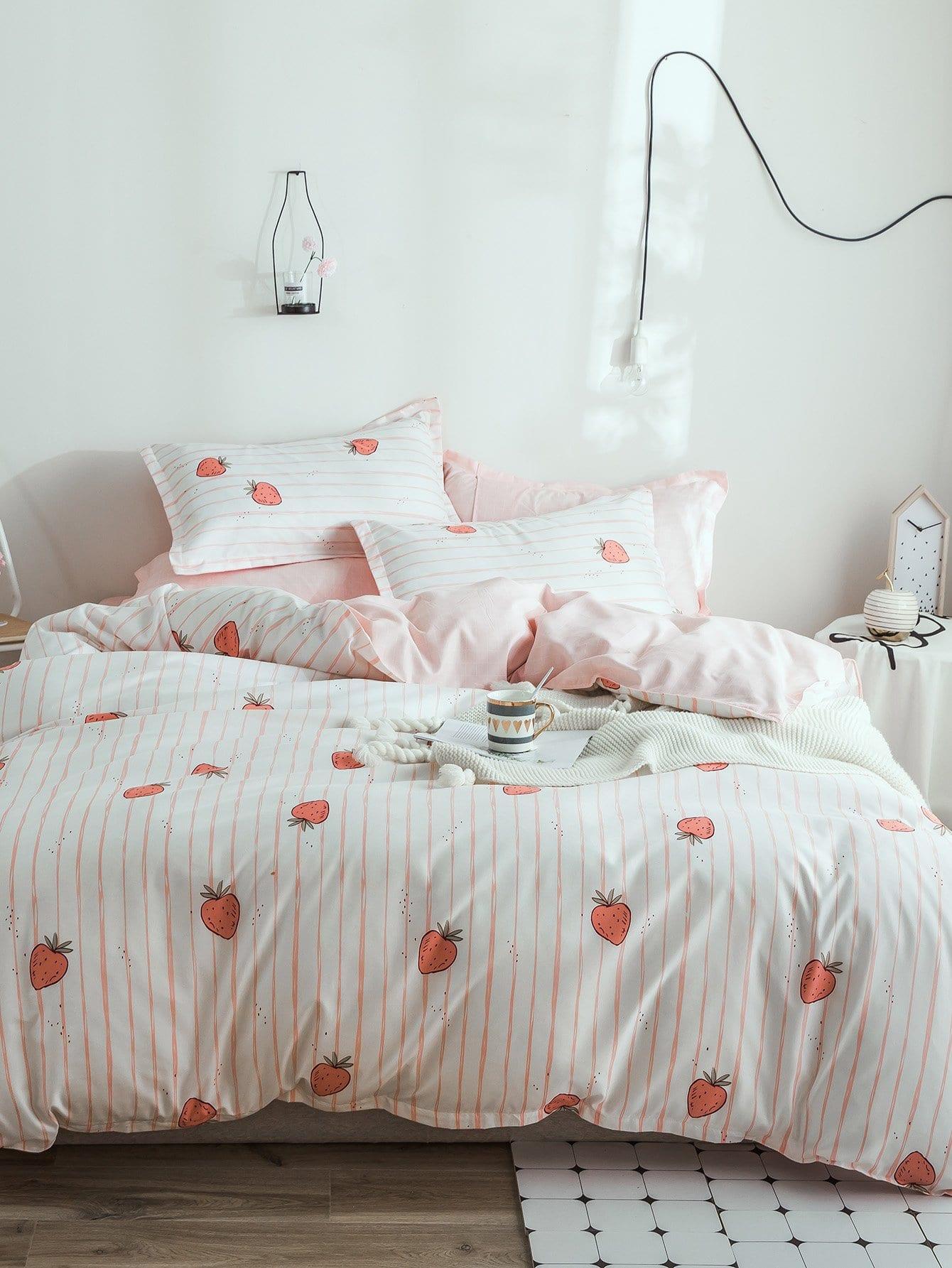 Купить Полосатое бархатное постельное бельё с рисунками земляник 1 шт, null, SheIn