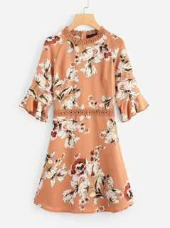 Lace Contrast Bell Sleeve Flower Print Dress