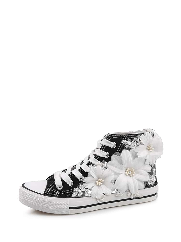 Applique Decor Lace Up Sneakers