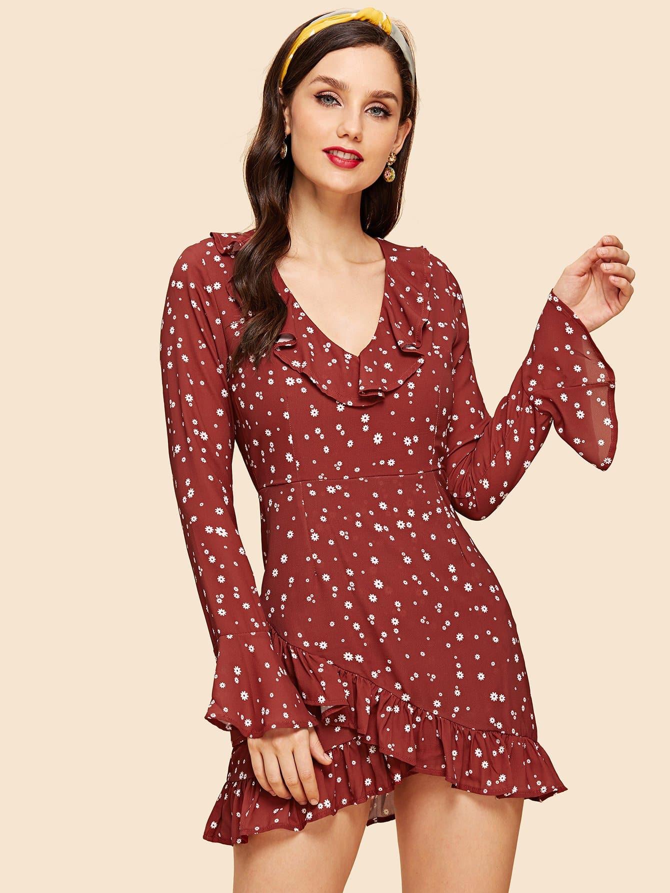цена на Ruffle Hem Bell Sleeve Floral Dress