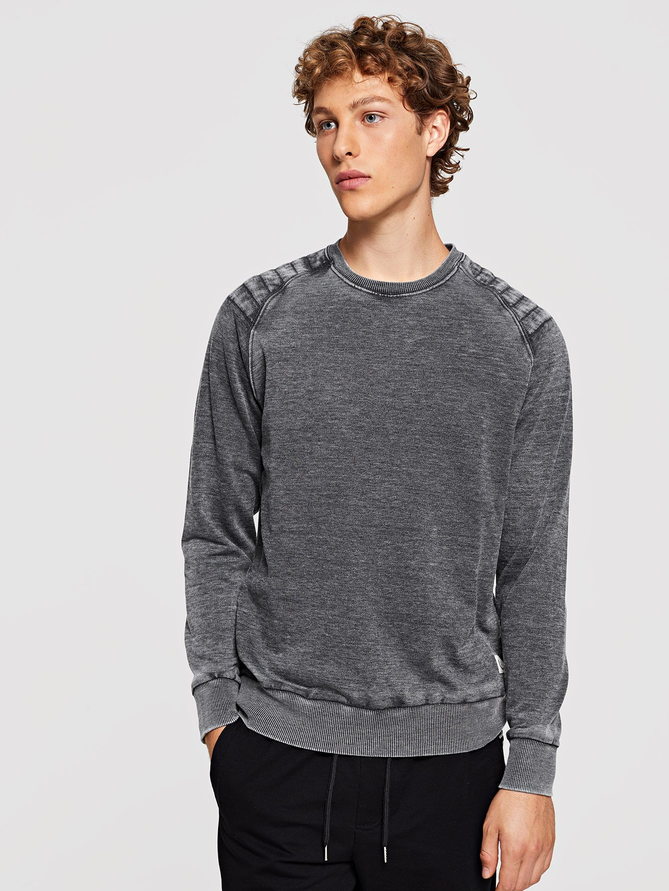 Men Washed Plain Sweatshirt
