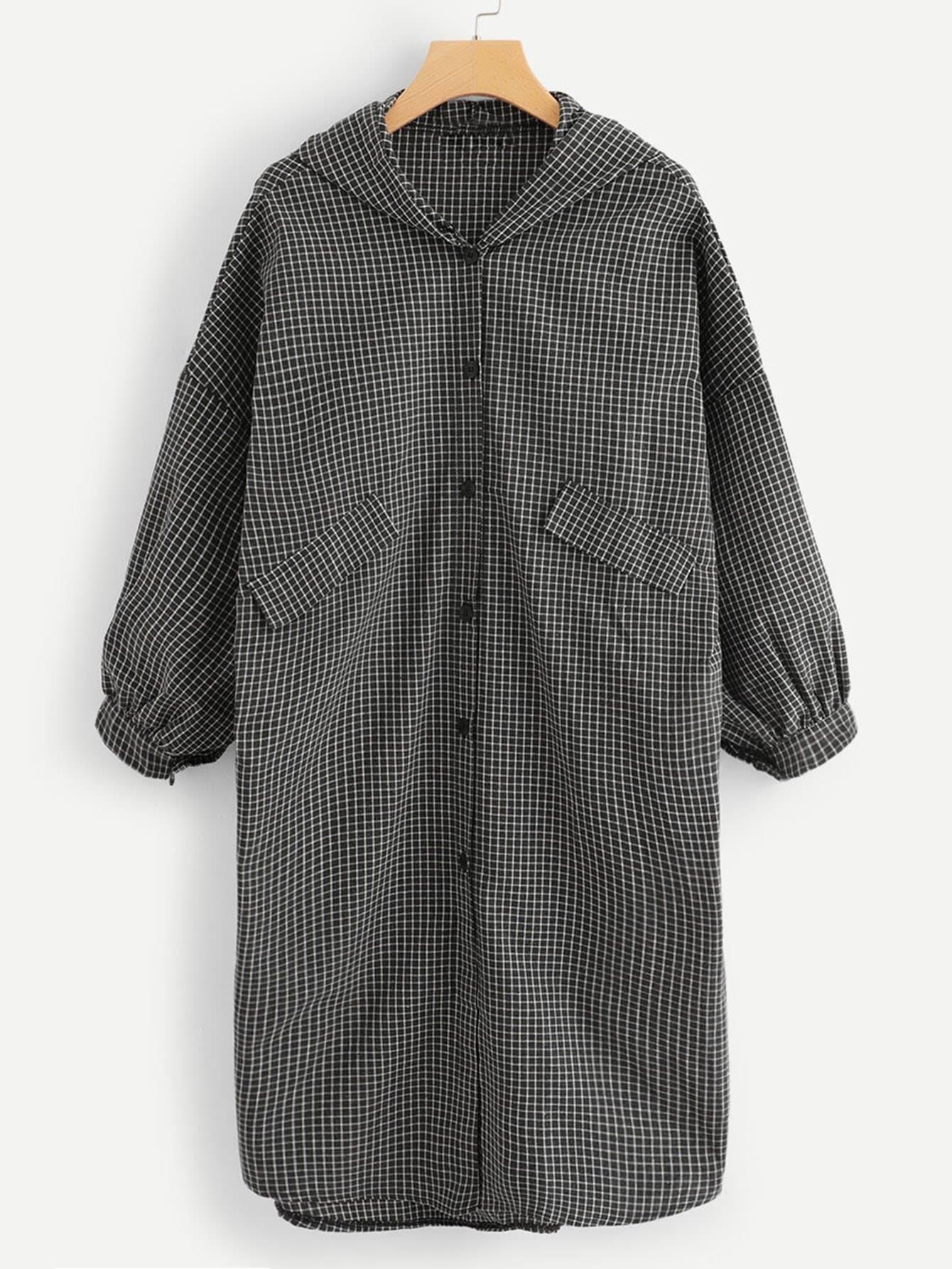 Mantel mit sehr tief angesetzter Schulterpartie und Laternenhülse