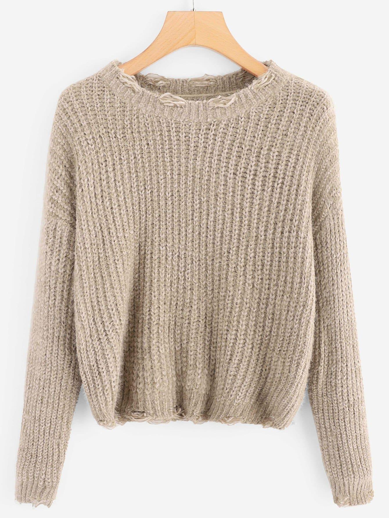 Strick Pullover mit sehr tief angesetzter Schulterpartie und Rissen