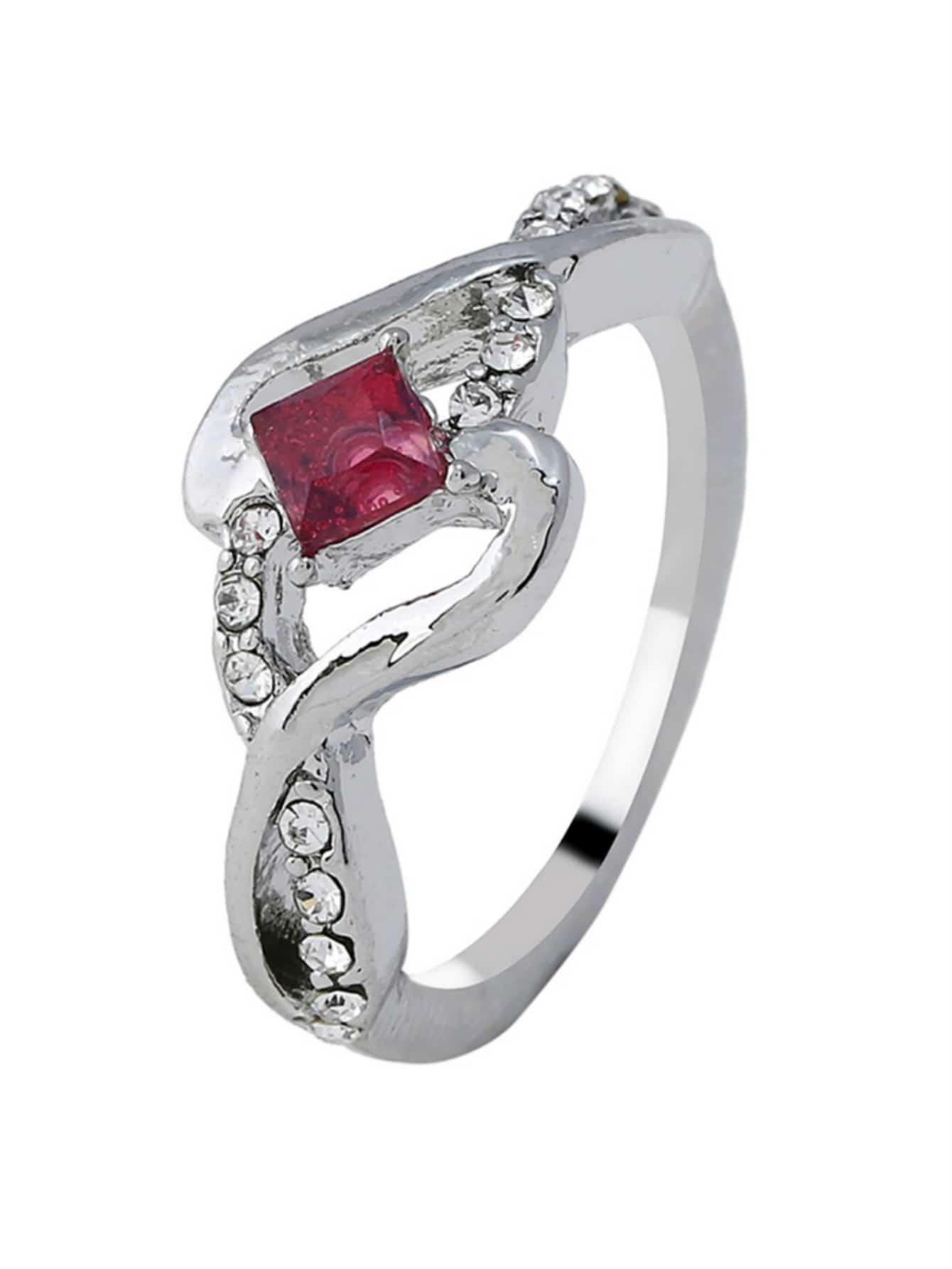 Twist Design Gemstone Ring