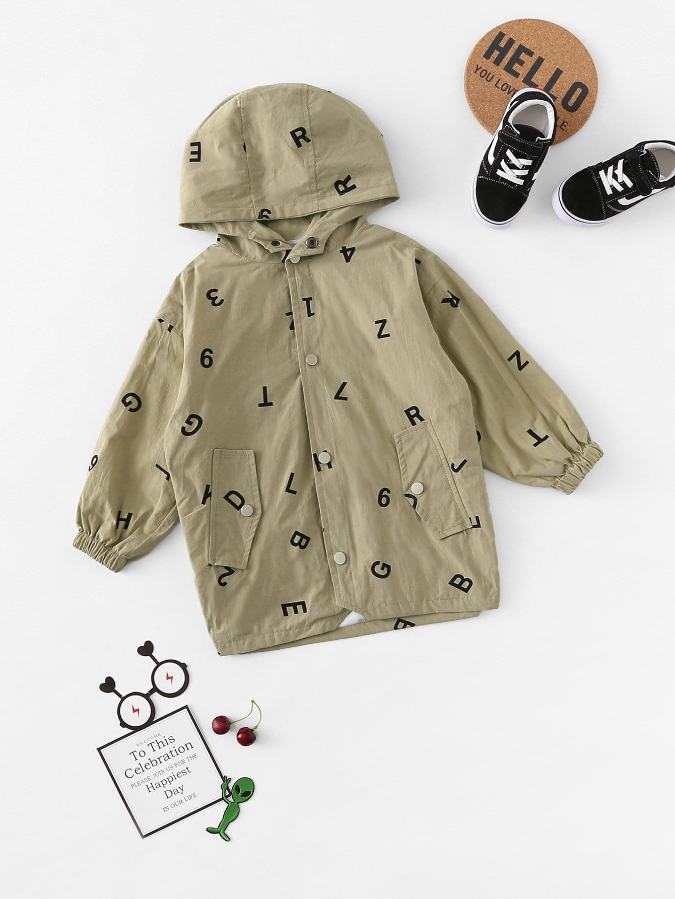 Mädchen Jacke mit Buchstaben Muster und Kapuze