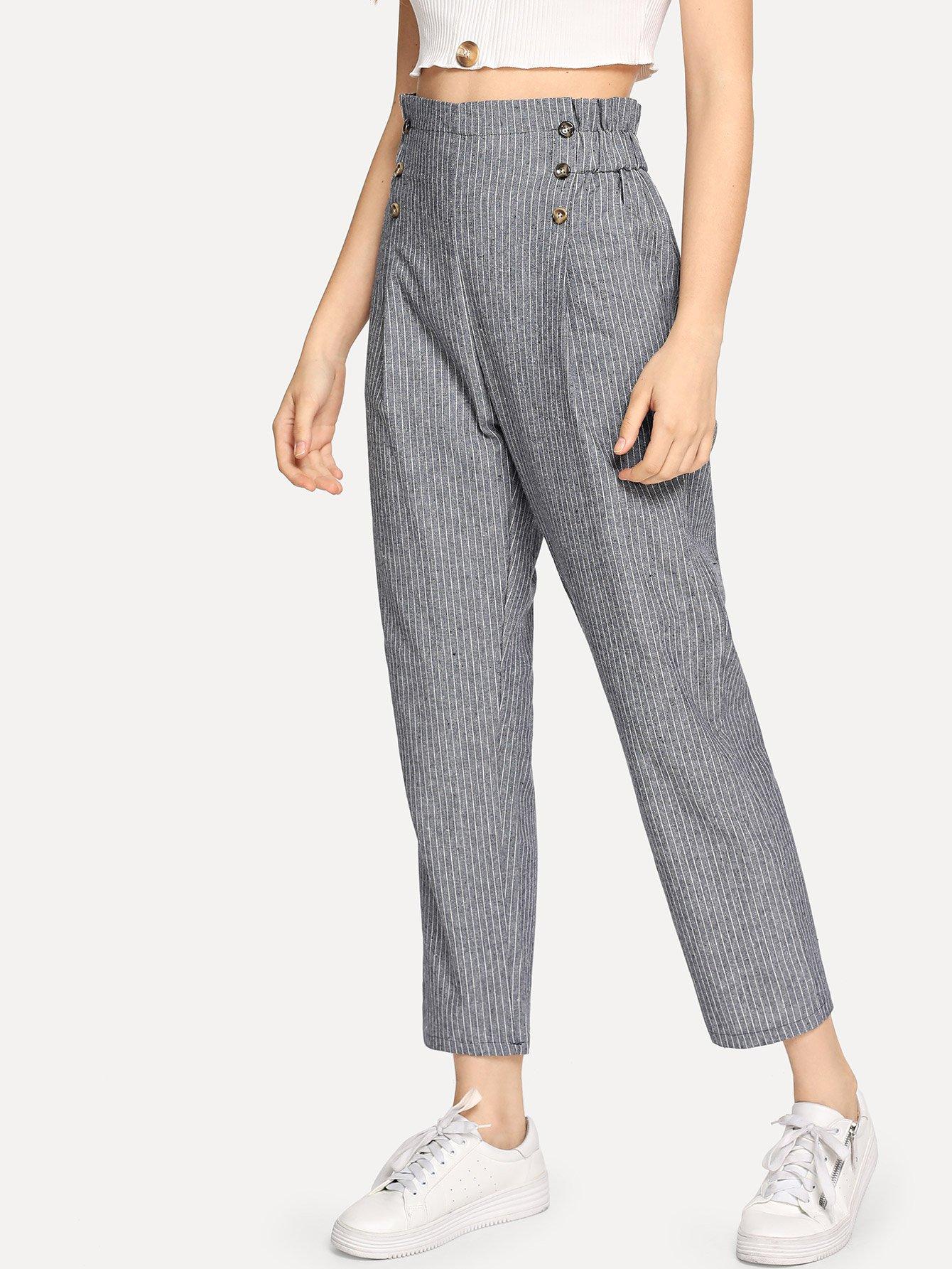 Двубортные брюки в полоску с оборкой отделкой SheIn