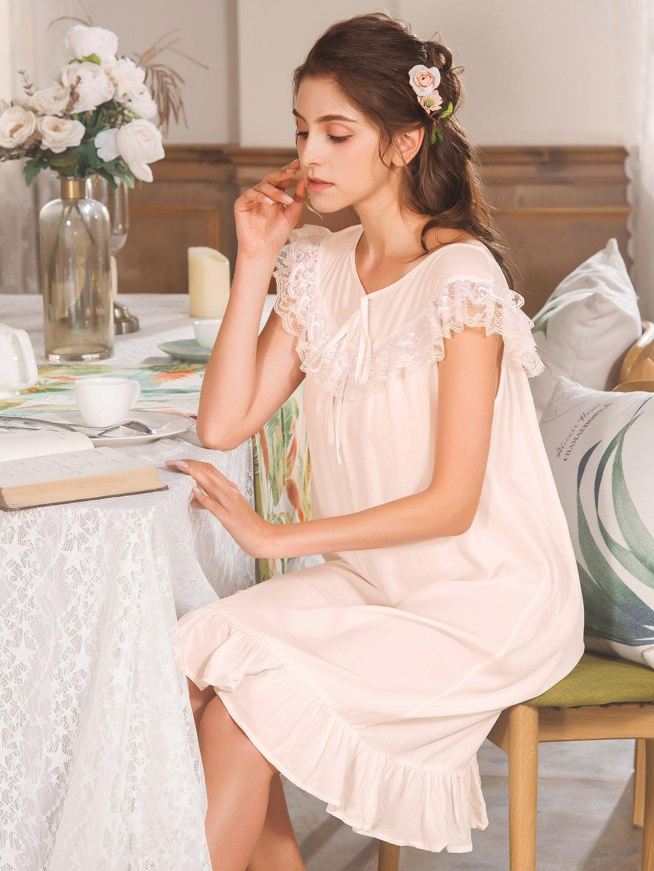 Купить Асимметричная ночная сорочка с кружевными оборками, null, SheIn