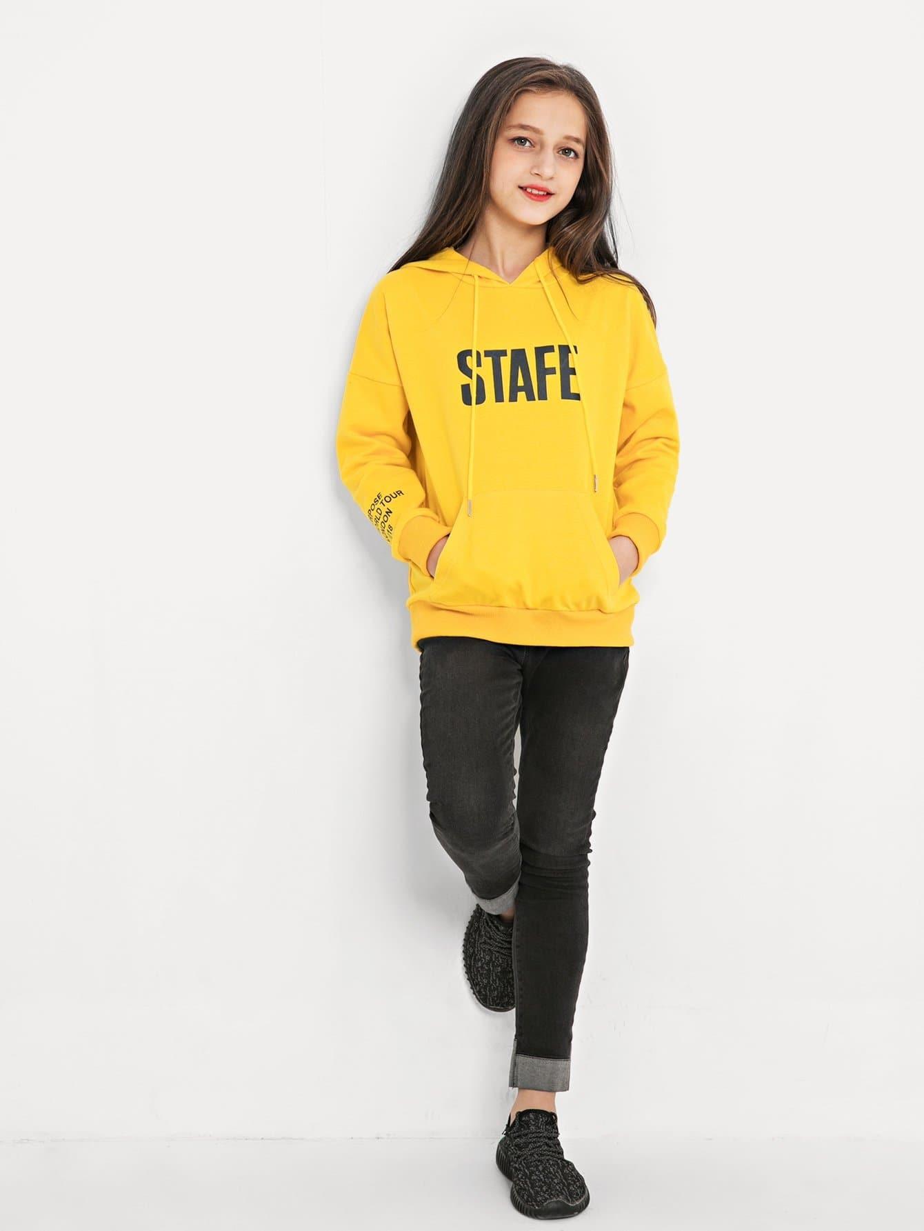 Girls Letter Print Hooded Sweatshirt