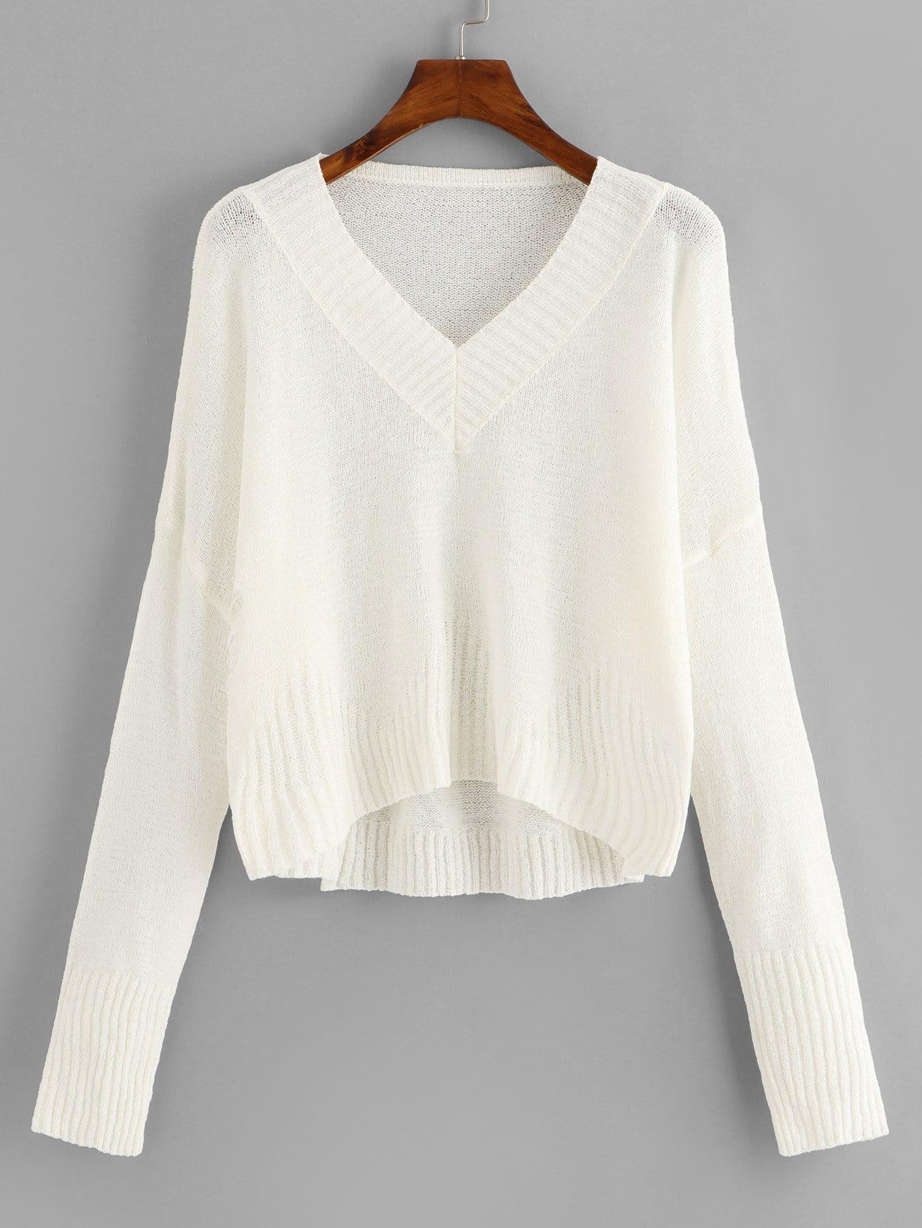 Pullover mit sehr tief angesetzter Schulterpartie und V Ausschnitt