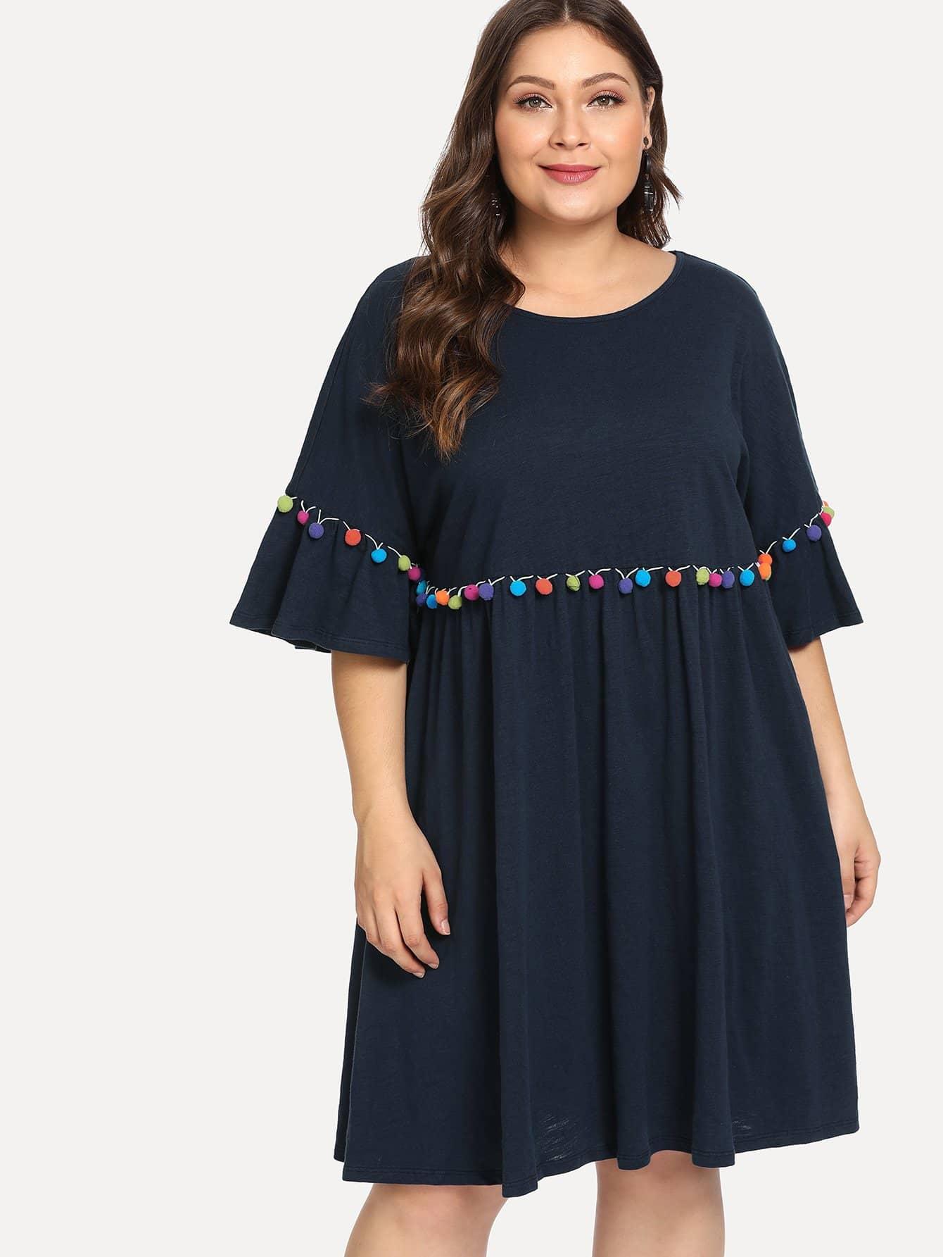 Плюс размеры Пом пом платье и рукав с розеткой