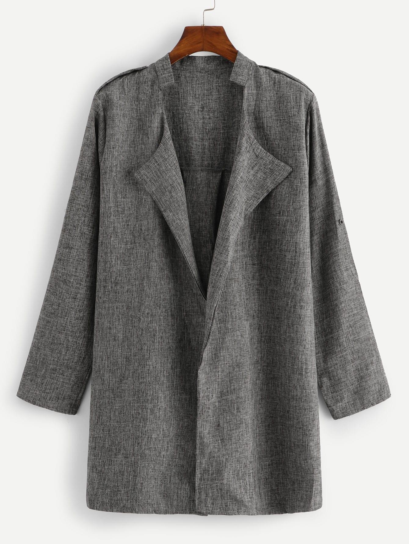 Une Cascade De Collier Solide Manteau