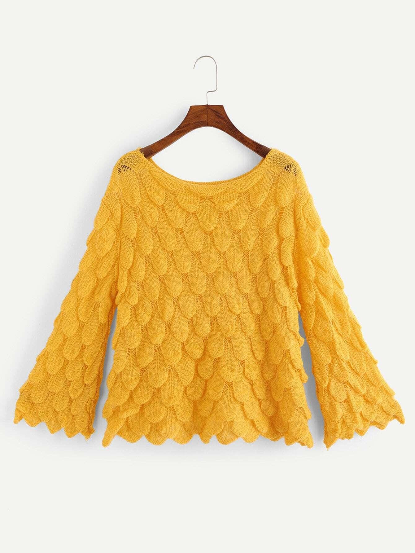 Pullover mit sehr tief angesetzter Schulterpartie und Flötehülse