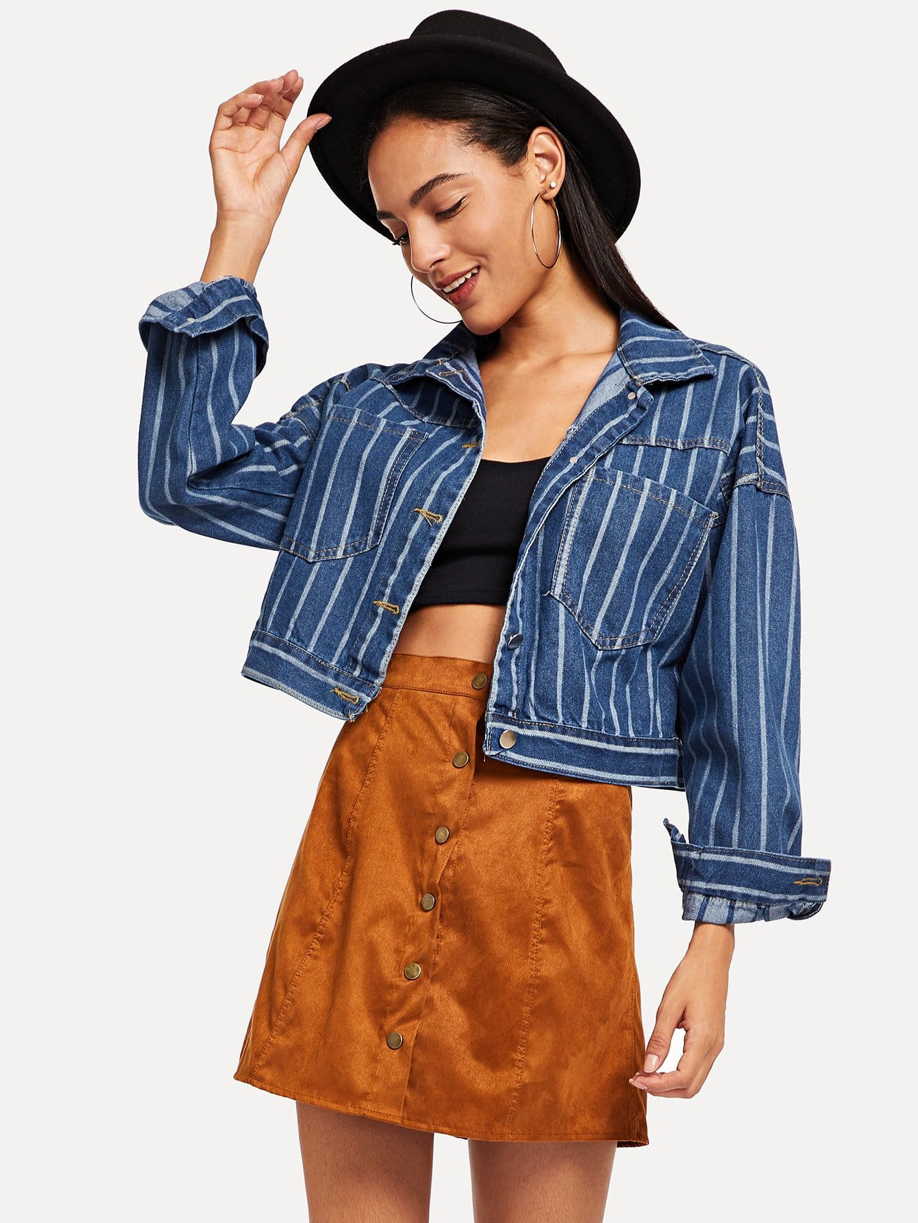 Crop Jeans Jacke mit sehr tief angesetzter Schulterpartie und Streifen