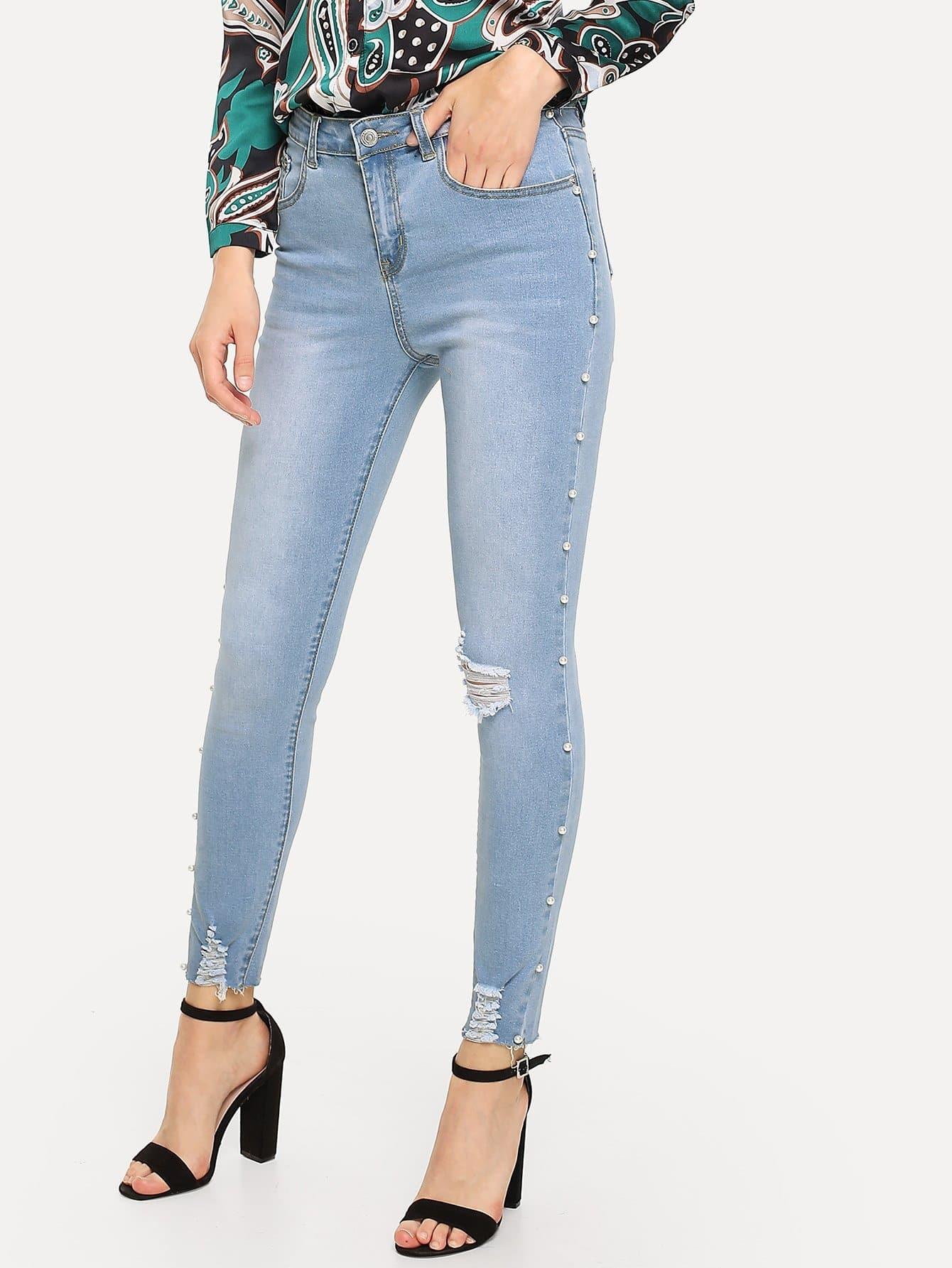 Купить Рваные джинсы с украшением искусственных жемчугов, Nedab, SheIn