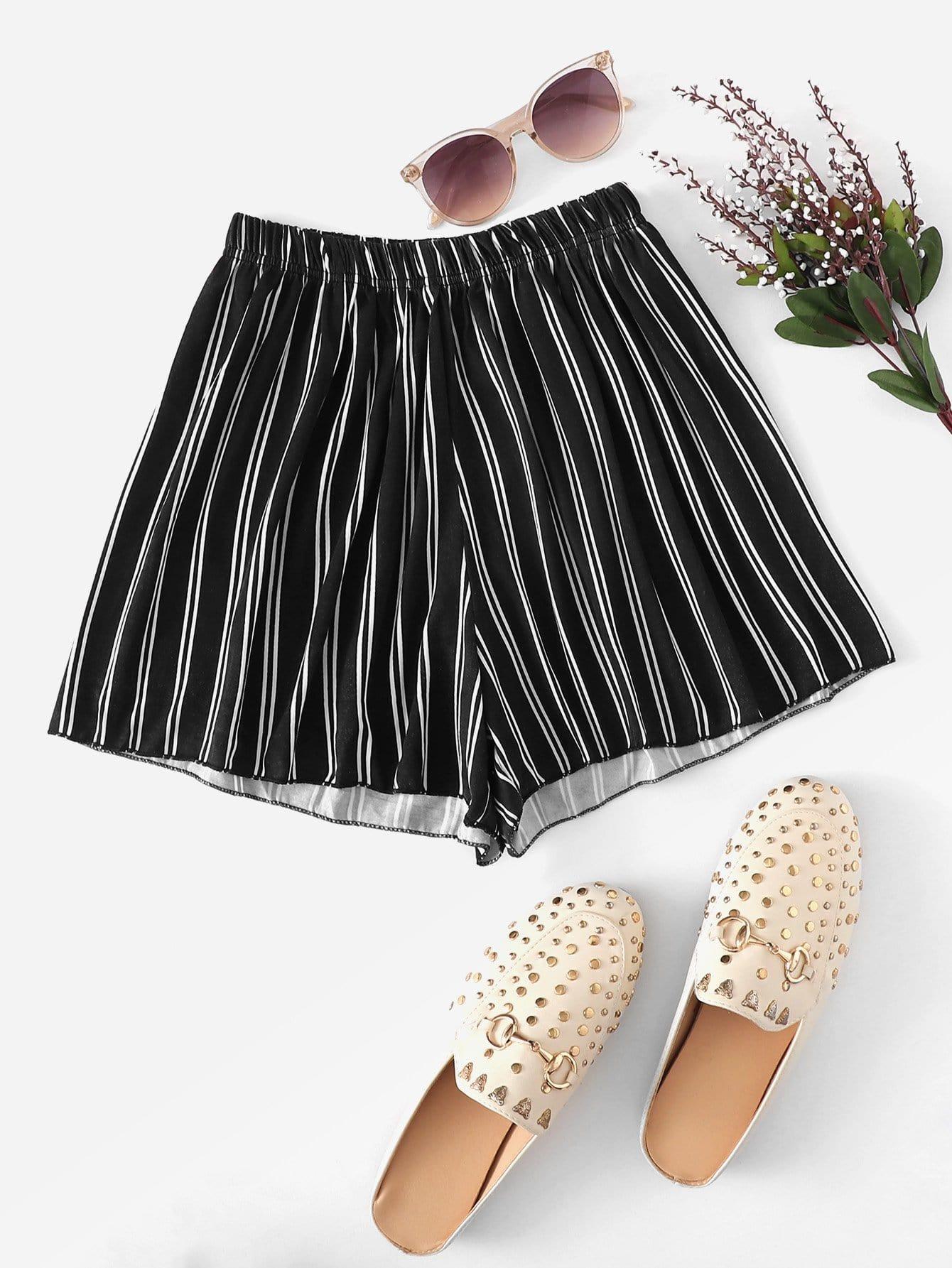 Taille Élastique De Shorts Rayé