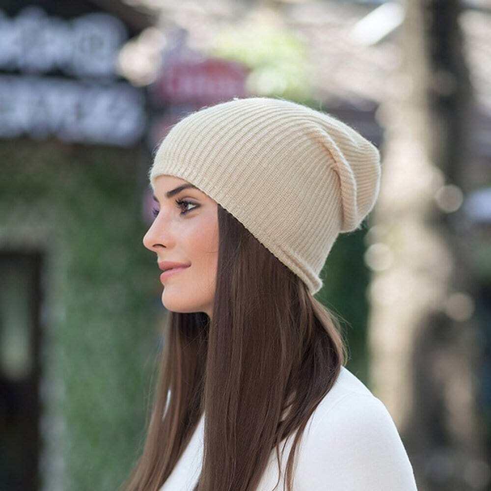 Raya beige que hace punto los sombreros elásticos de las gorritas tejidas para los hombres y las mujeres