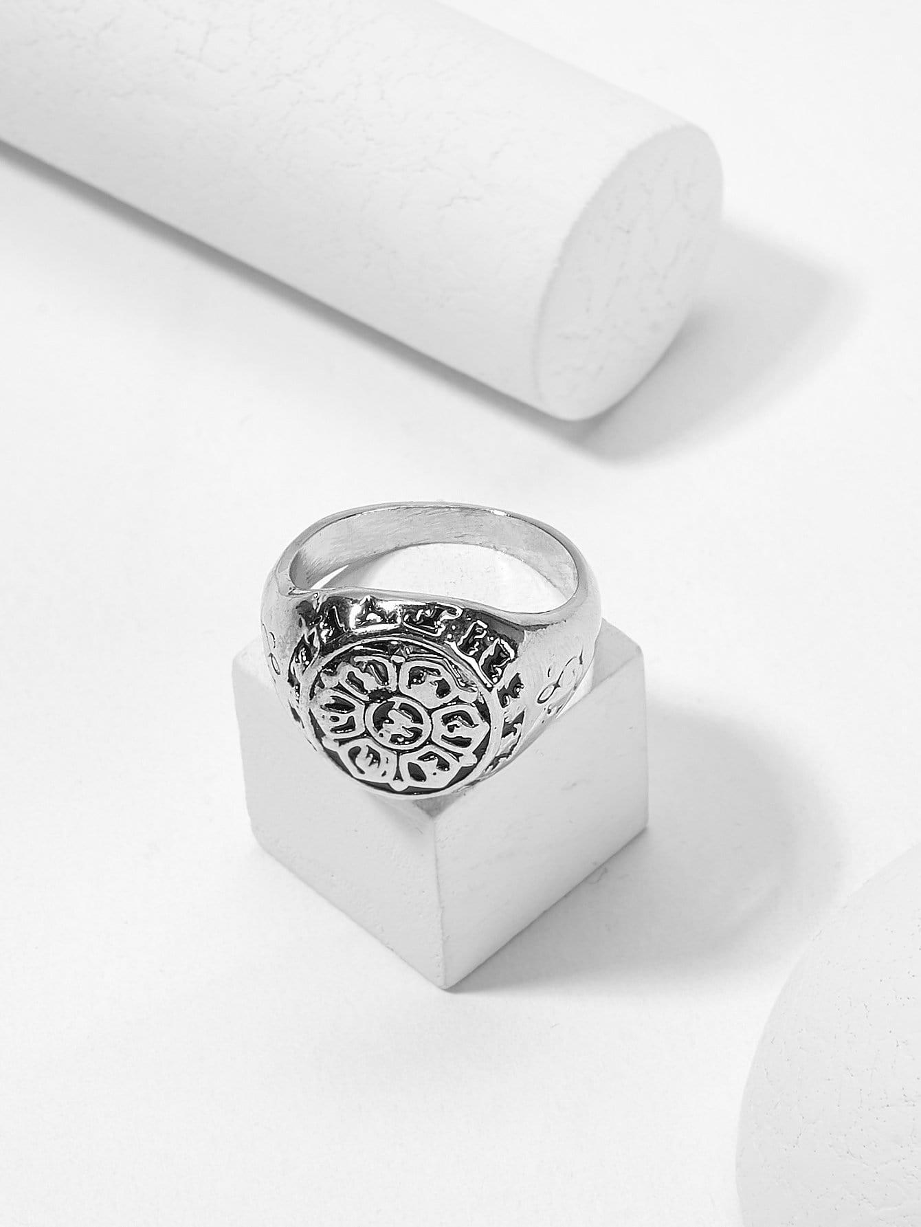 Мужское скульптурное круглое кольцо