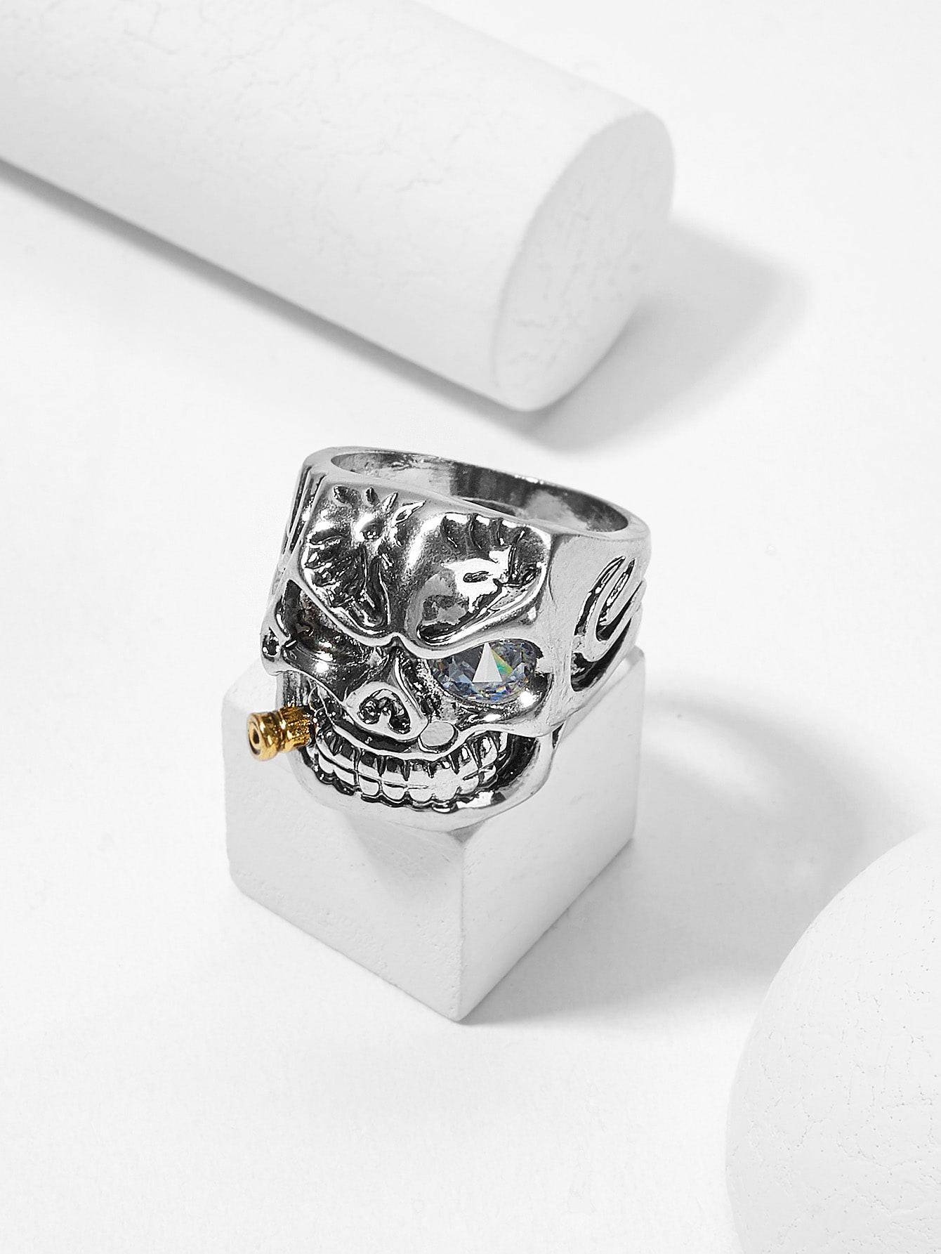 Мужское широкое кольцо в форме скелета
