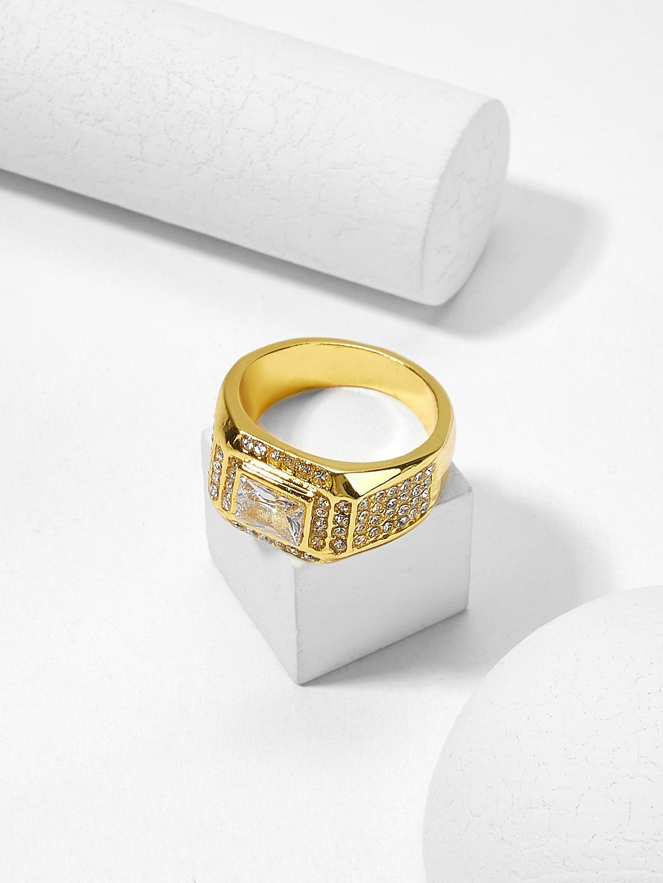 Мужское скульптурное кольцо из горного хрусталя