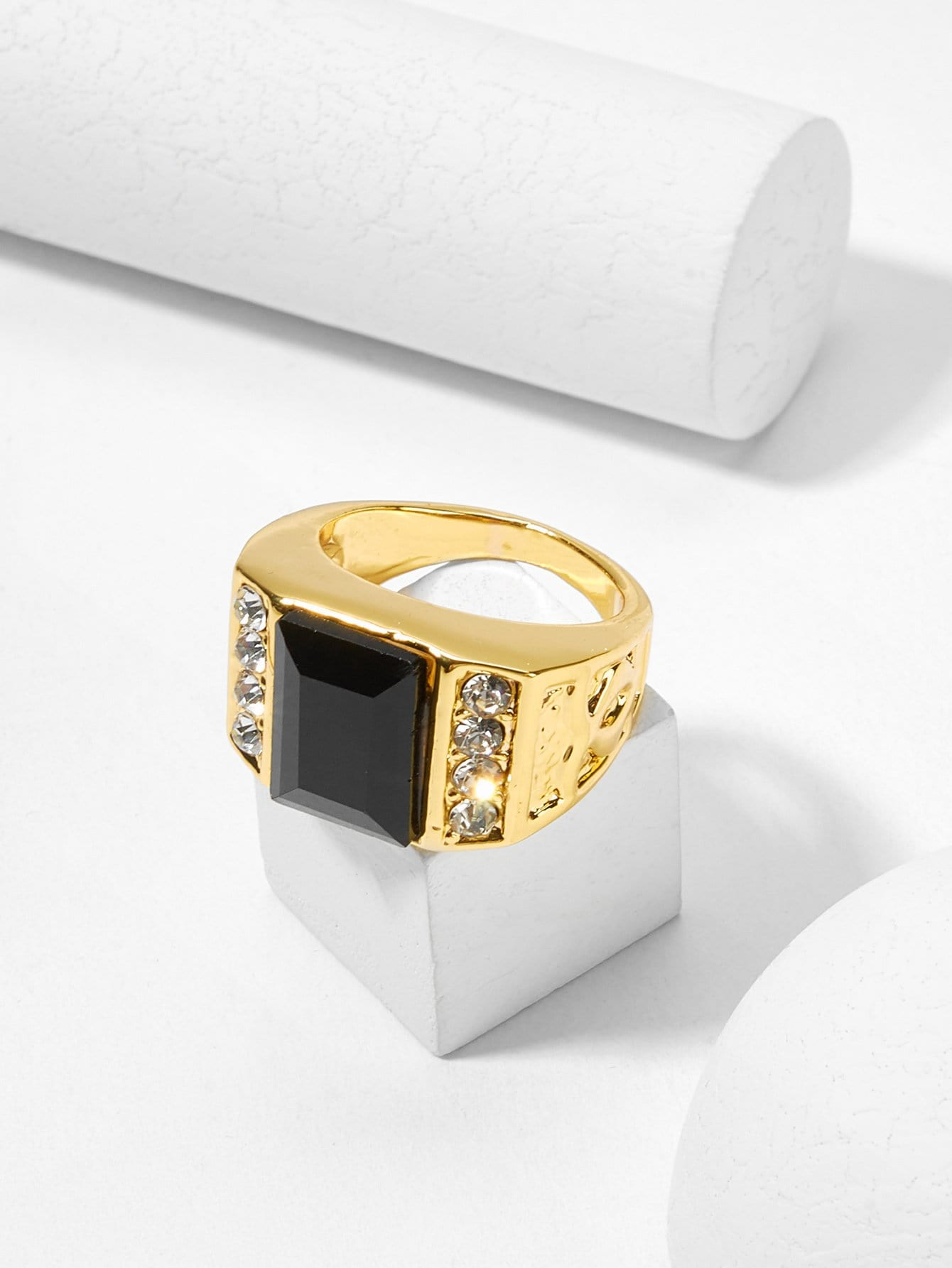 Мужское квадратное кольцо из горного хрусталя