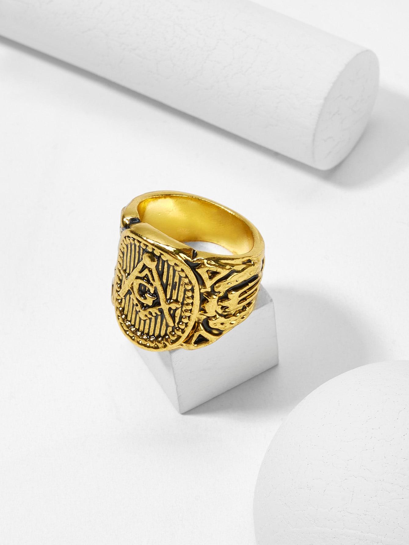 Мужское кольцо с принтом букв