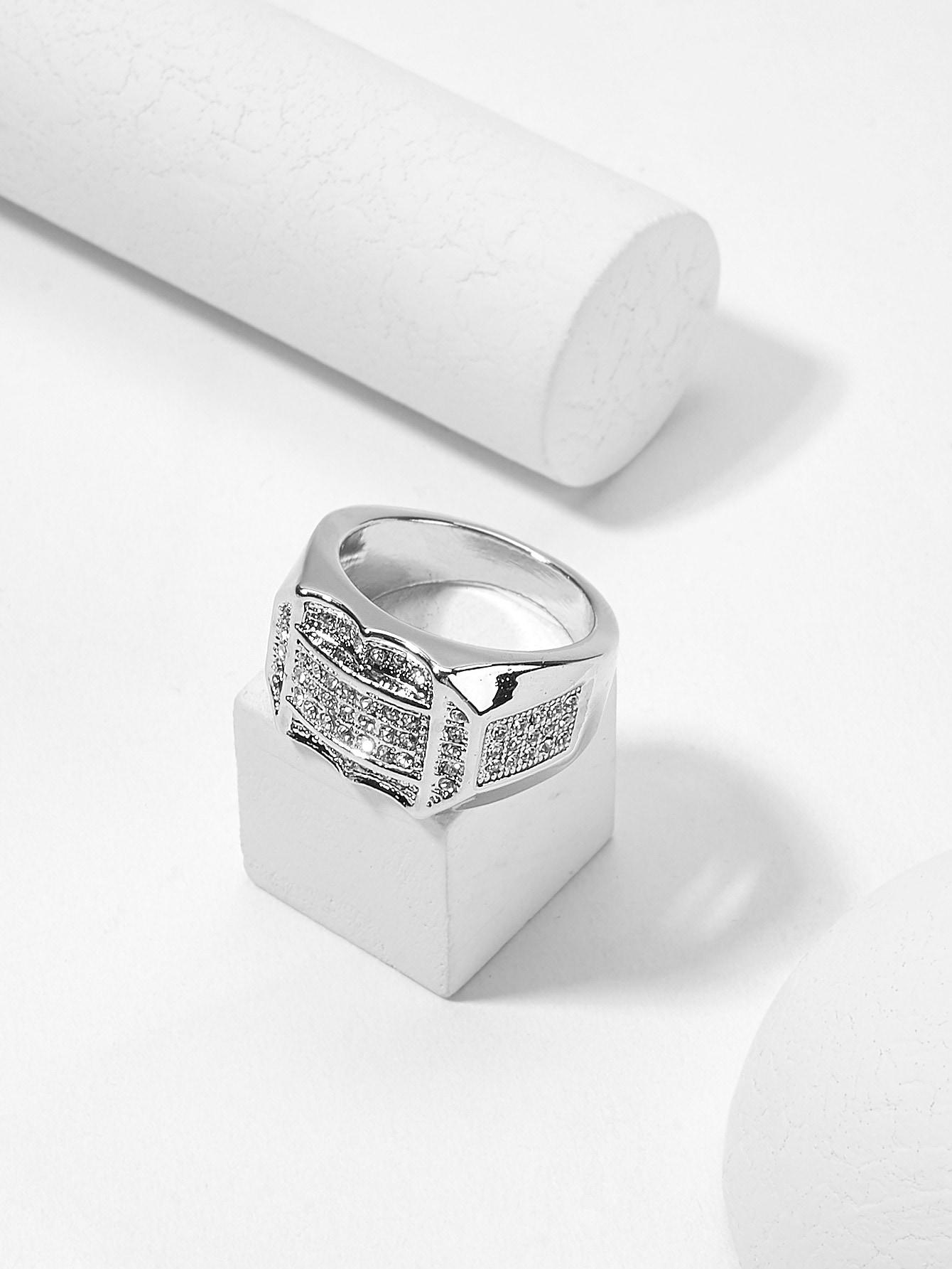 Мужское скульптурное широкое кольцо из горного хрусталя