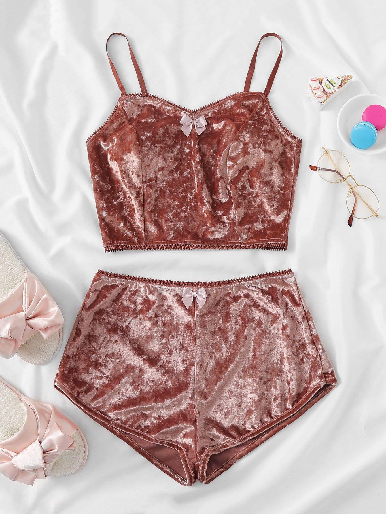 Купить Комплект бархатной пижамы на бретелях с бантом, null, SheIn