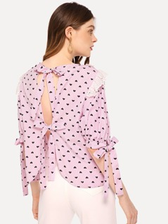 Lace Contrast Knot Heart Print Top
