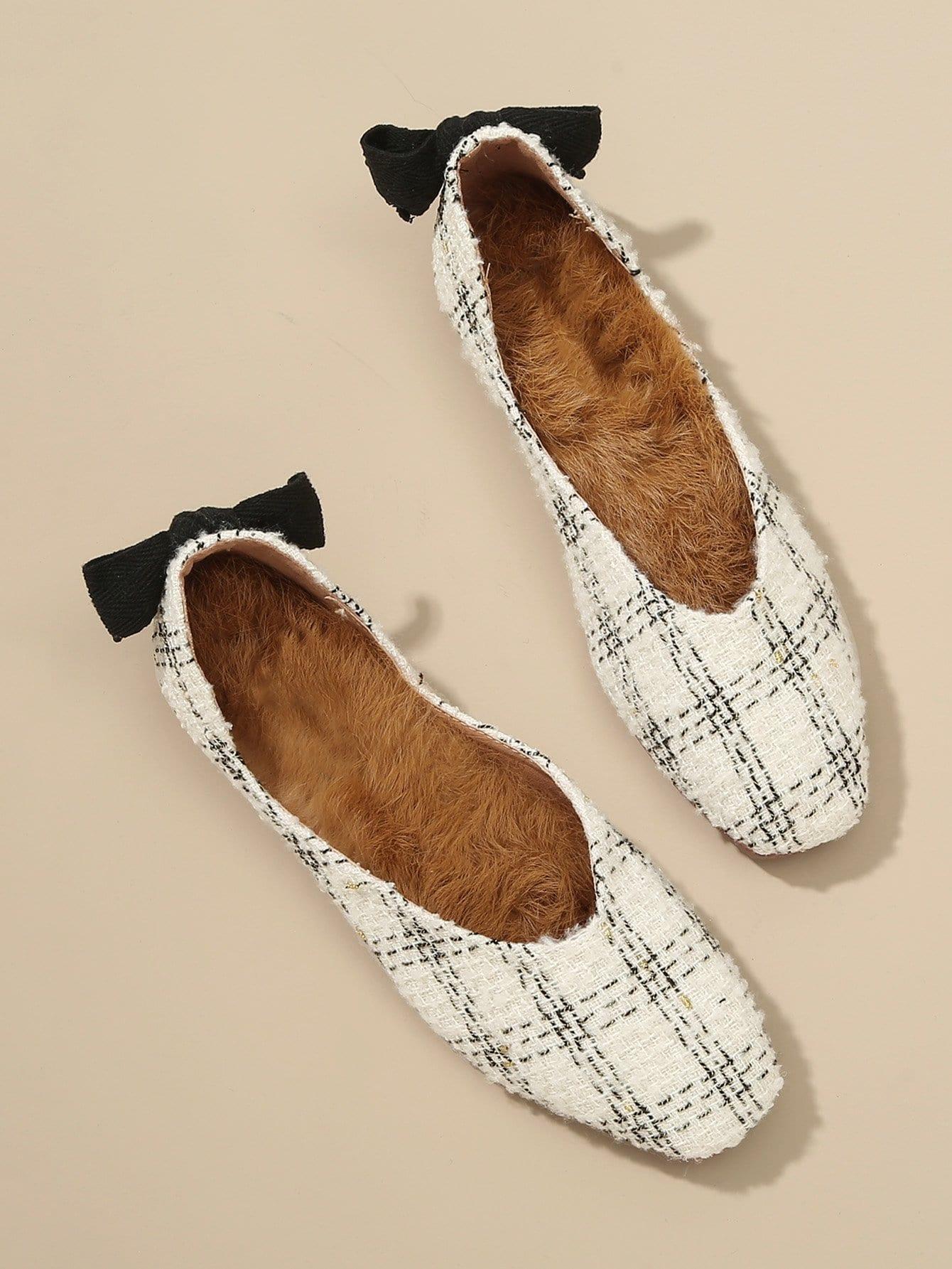 Пушистые туфли на плоской подошве с бантом назад и квадратным носком