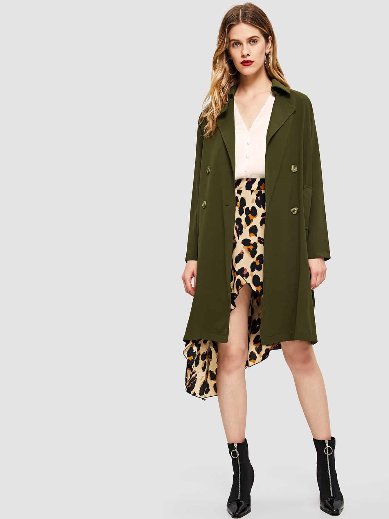 Пальто с зазубренным воротником и поясом и украшением пуговицы SheIn